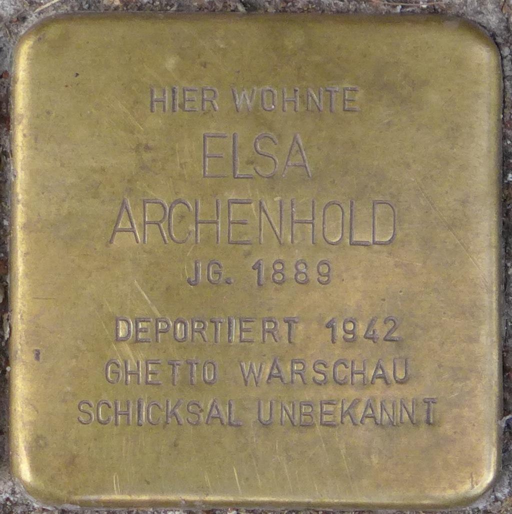 Einbeck Stolperstein Elsa Archenhold (cropped).jpg