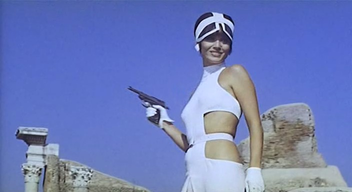 FILMS DE SCIENCE FICTION - Page 4 Elsa_Martinelli_in_La_decima_vittima