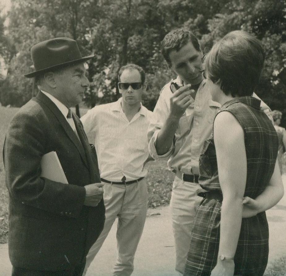 Erich Kästner Größe