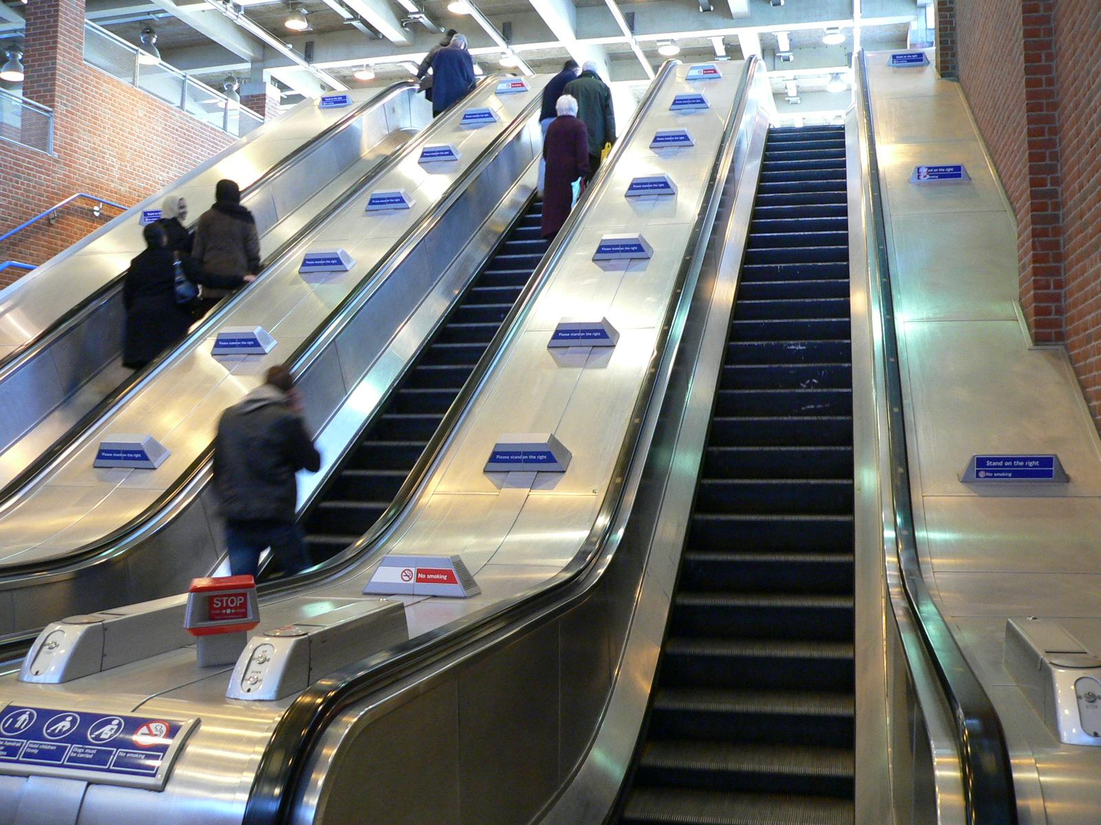 File Escalators At West Ham Station 2005 12