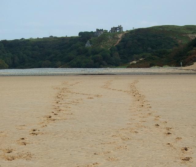 Footsteps towards Pennard Castle - geograph.org.uk - 1499485