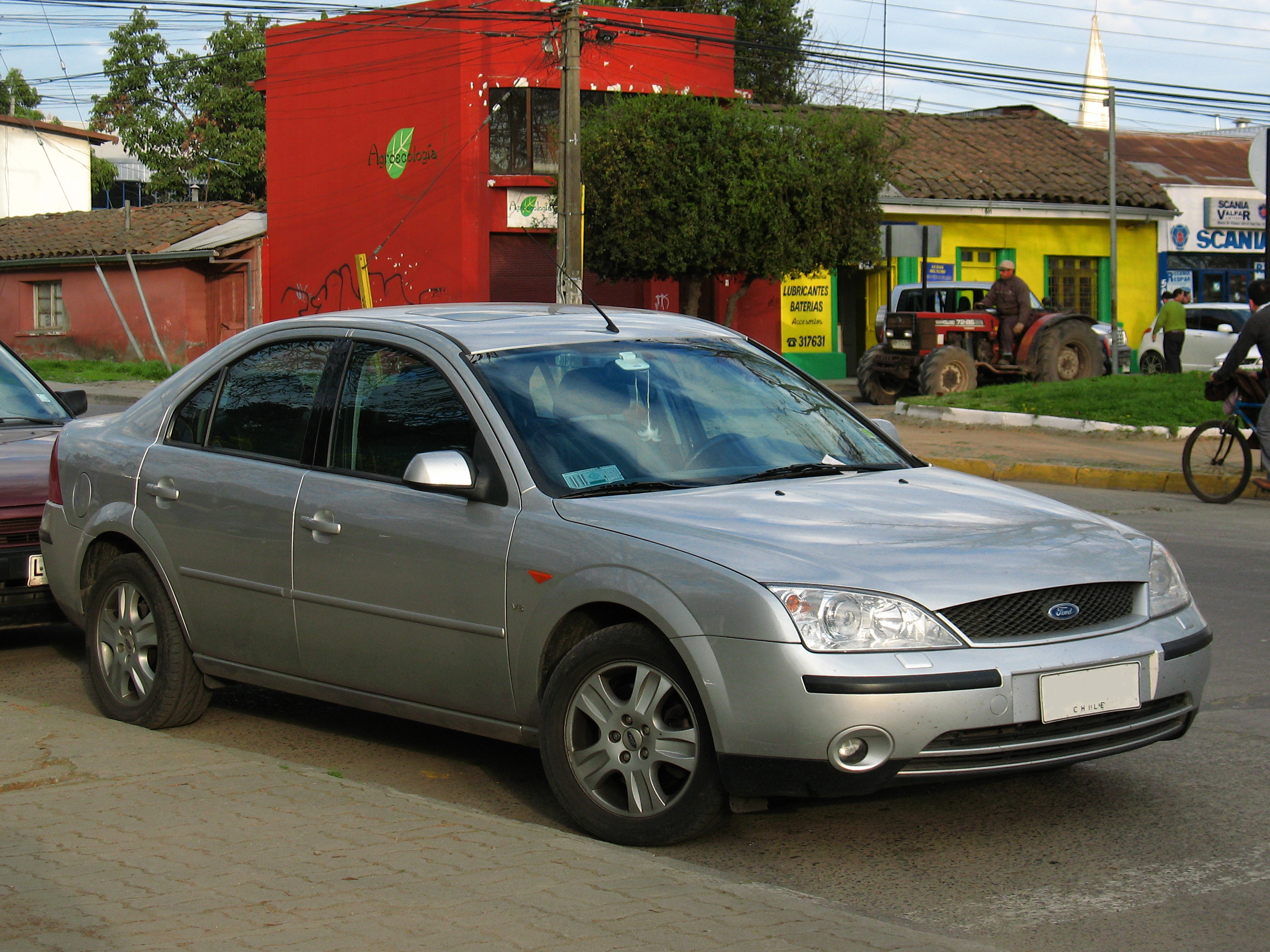 File:Ford Mondeo V6 Ghia 2005 (19917825622).jpg