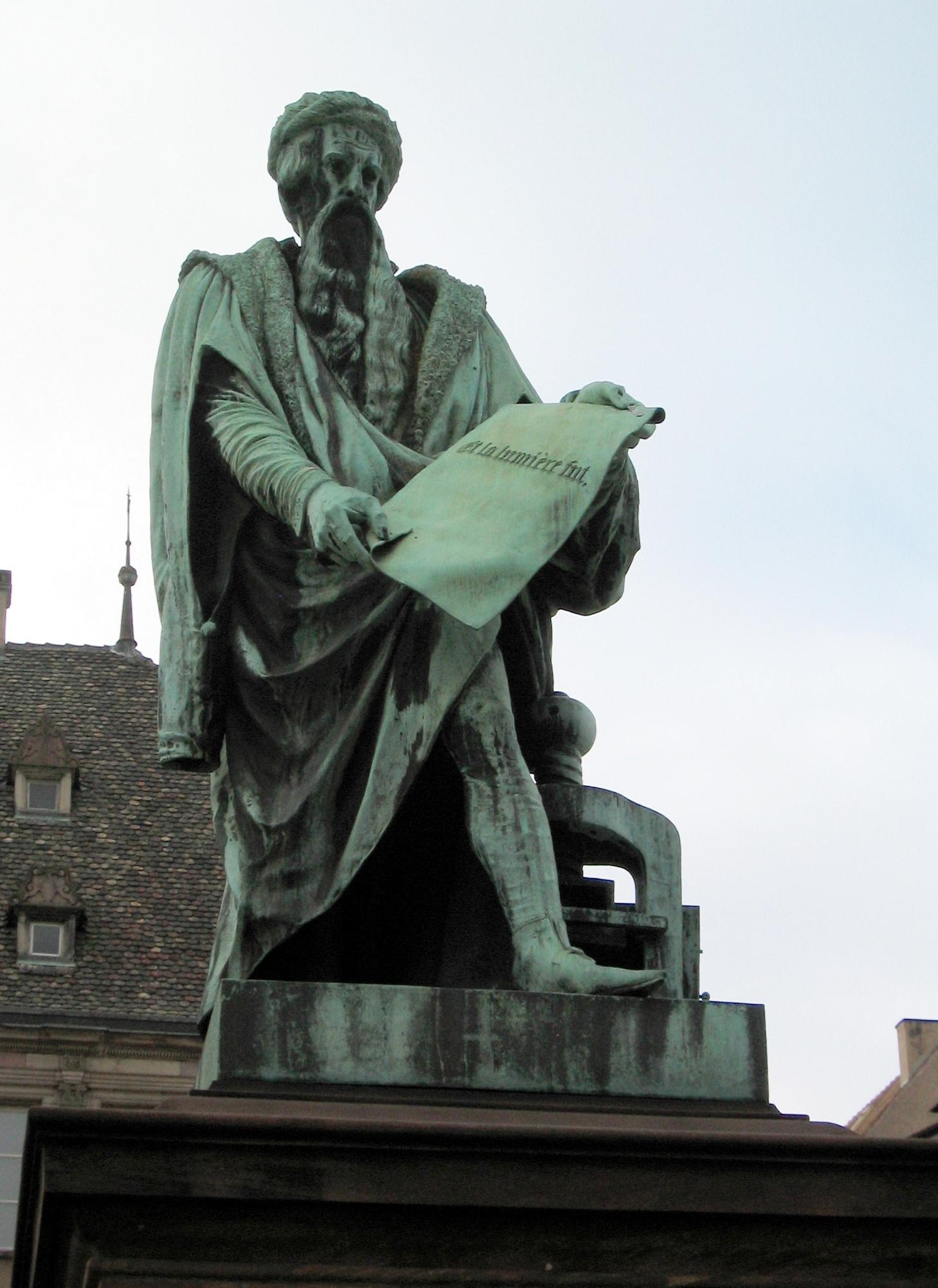 gutenberg statue in straburg - Johannes Gutenberg Lebenslauf