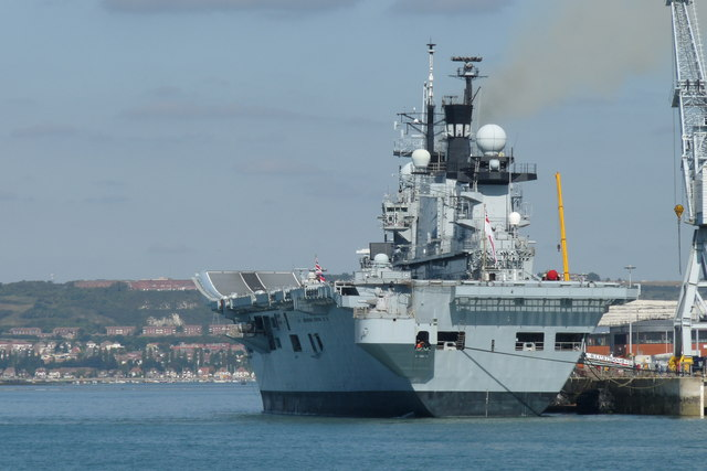 File:HMS Illustrious in Portsmouth Harbour - geograph.org.uk - 1510295 ...: en.wikipedia.org/wiki/file:hms_illustrious_in_portsmouth_harbour...