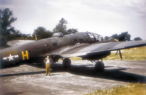 Heinkel_He_111H_captured_at_Boxted_UK_Ju