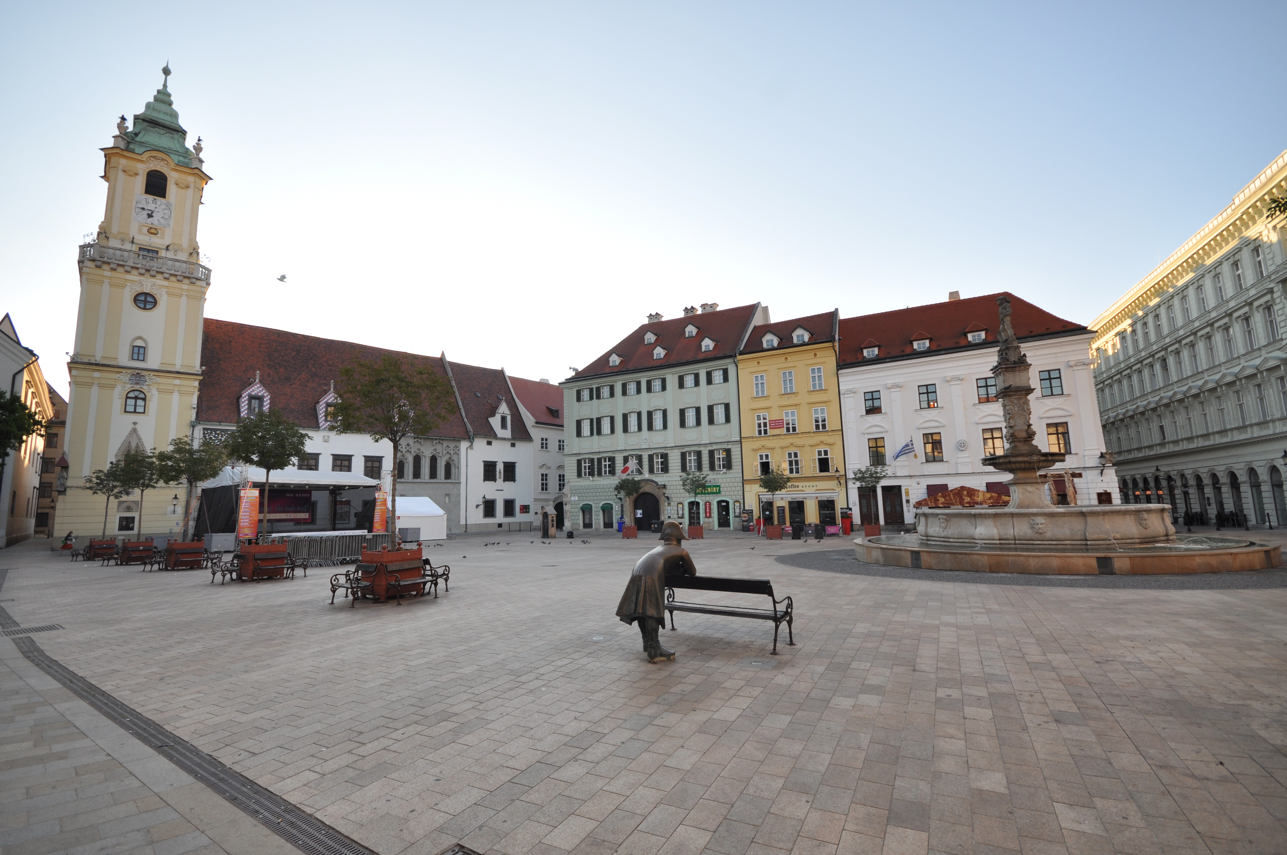 f3d19a7f9 Hlavné námestie (Bratislava) - Wikipedia