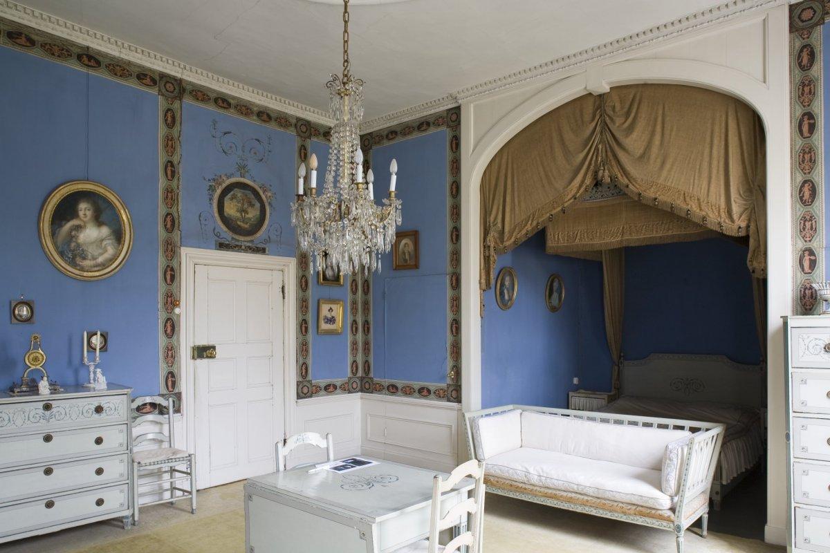 File interieur overzicht van de blauwe kamer met for Kamer interieur