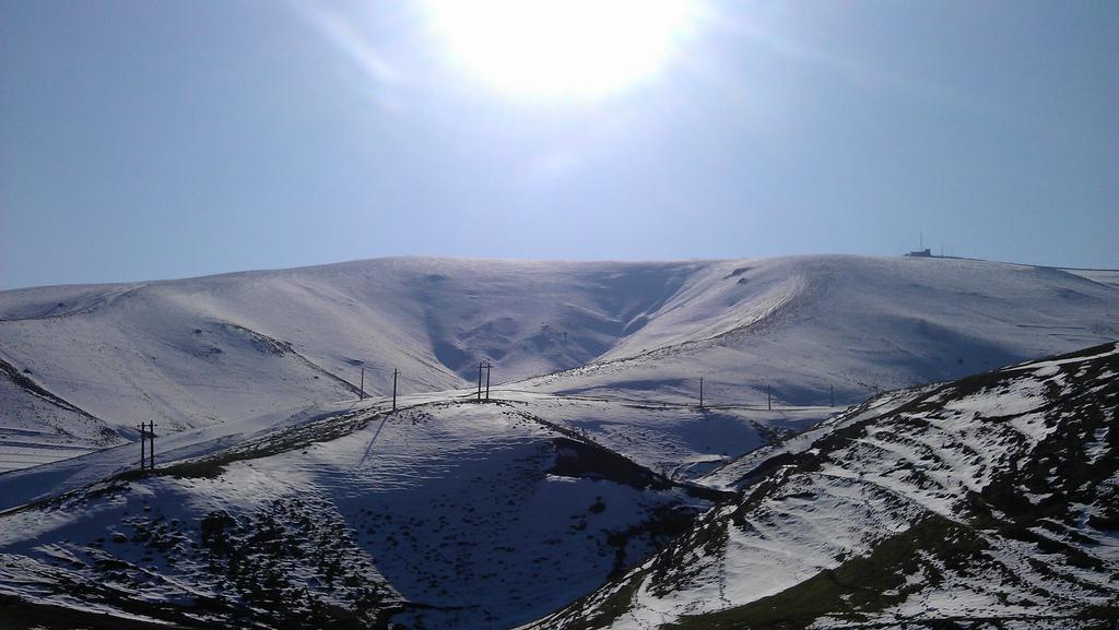 آفتاب کم سو در زمستان خان کندی