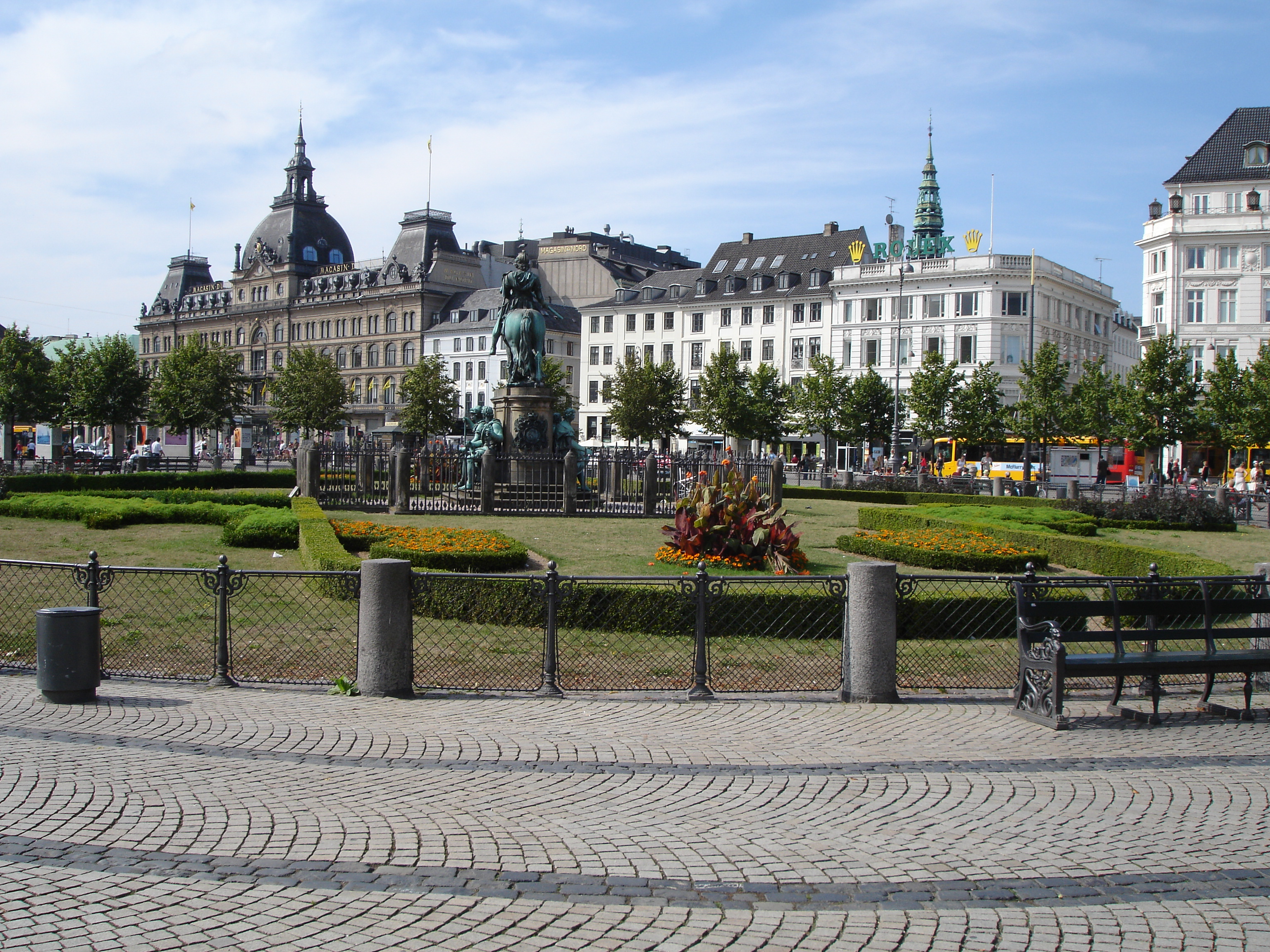 Copenhagen Denmark  city photo : Kongens Nytorv, Copenhagen, Denmark Wikipedia, the free ...