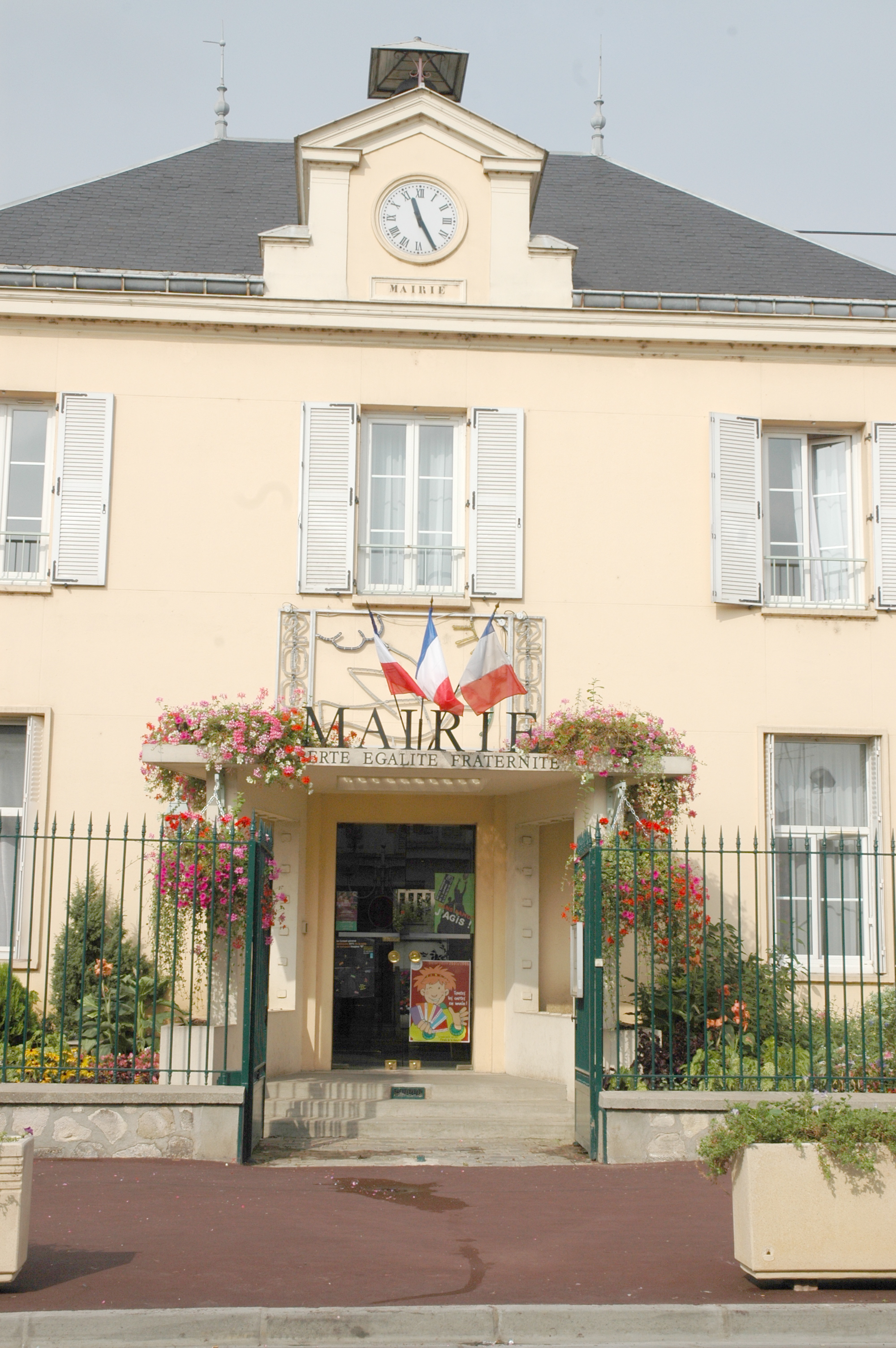 File mairie de bonneuil sur wikimedia commons - Garage bonneuil sur marne ...