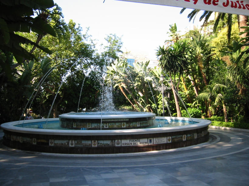 Marbella Brunnen verkl.jpg
