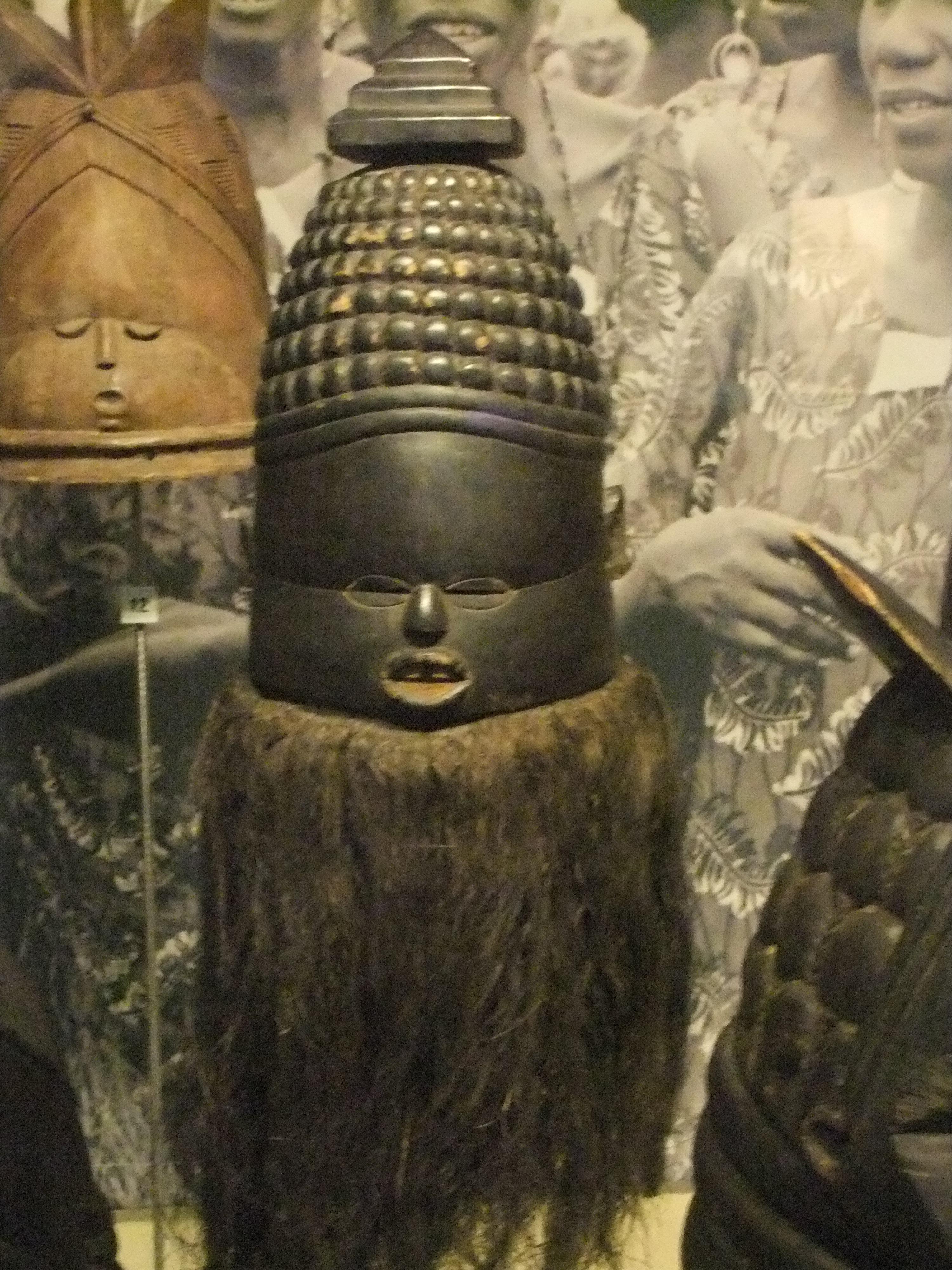 File:Mende helmet mask (Sierra Leone), World Museum ...