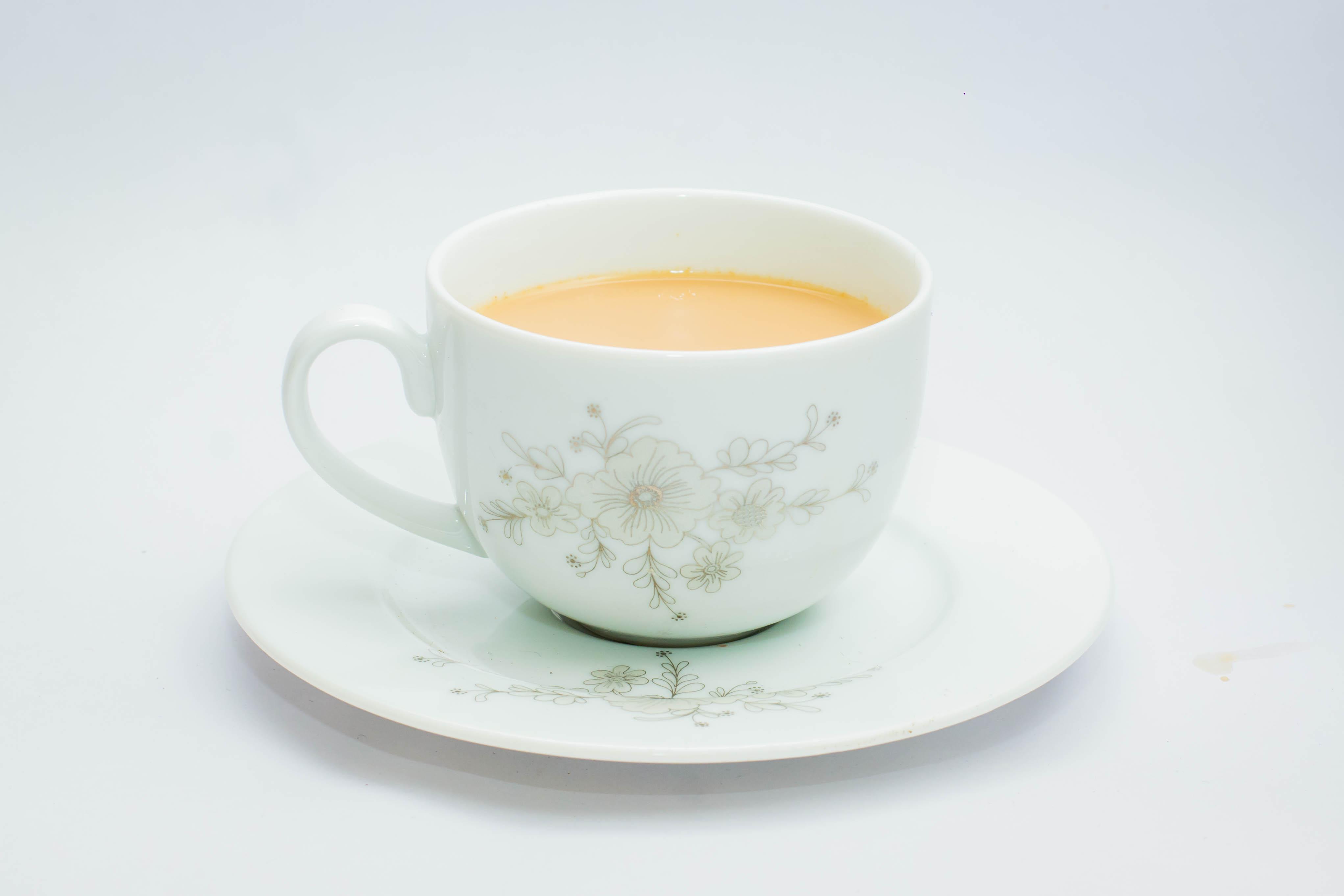 File:Milk tea white cup.jpg - Wikimedia Commons