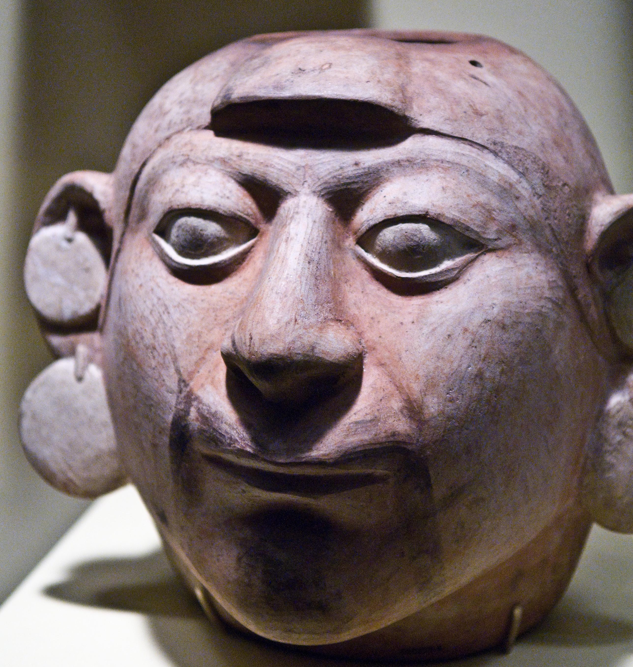 Head sculpture from the Moche civilization