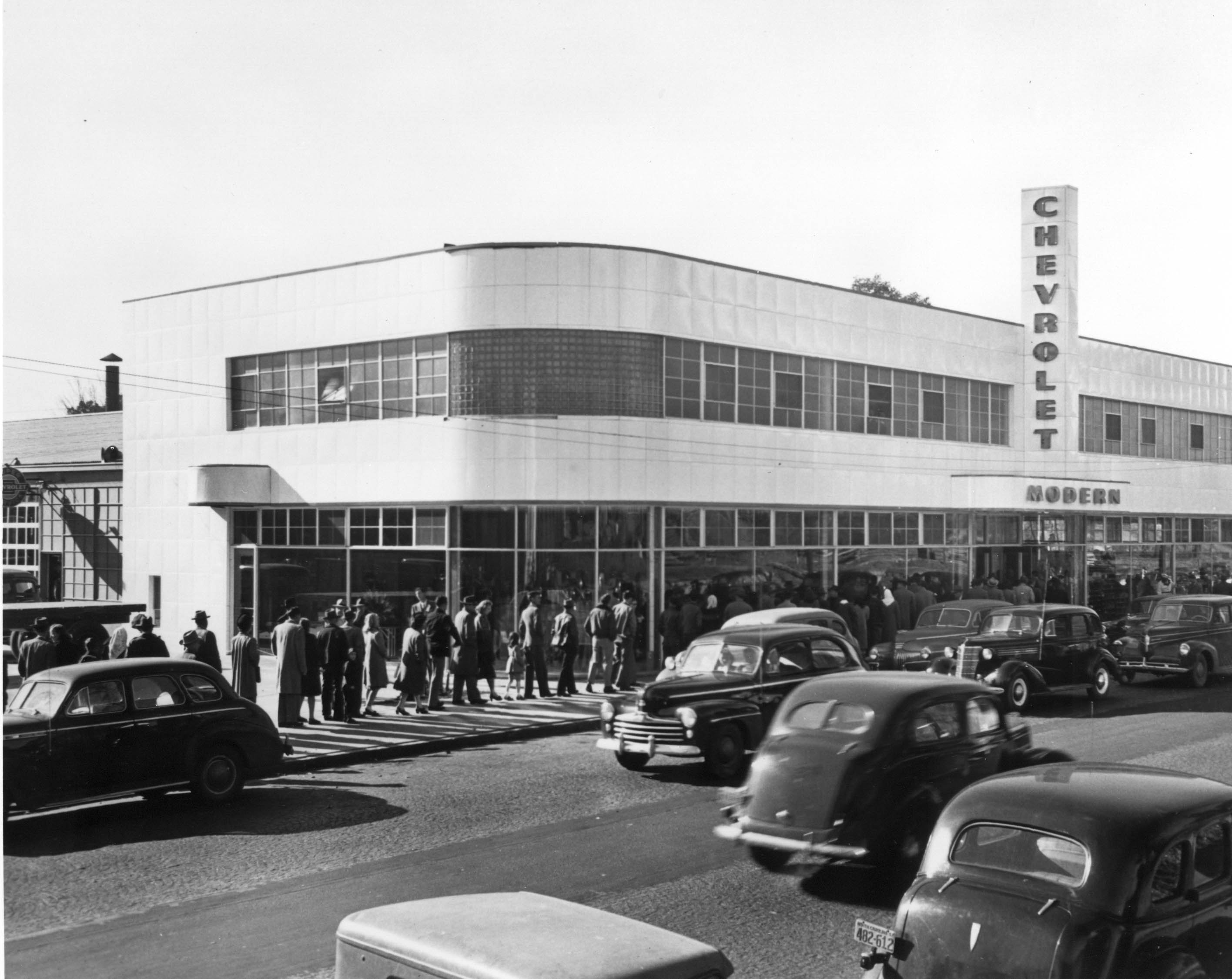 File:Modern Chevrolet 1950s - 800 West 4th Street.jpg - Wikimedia ...