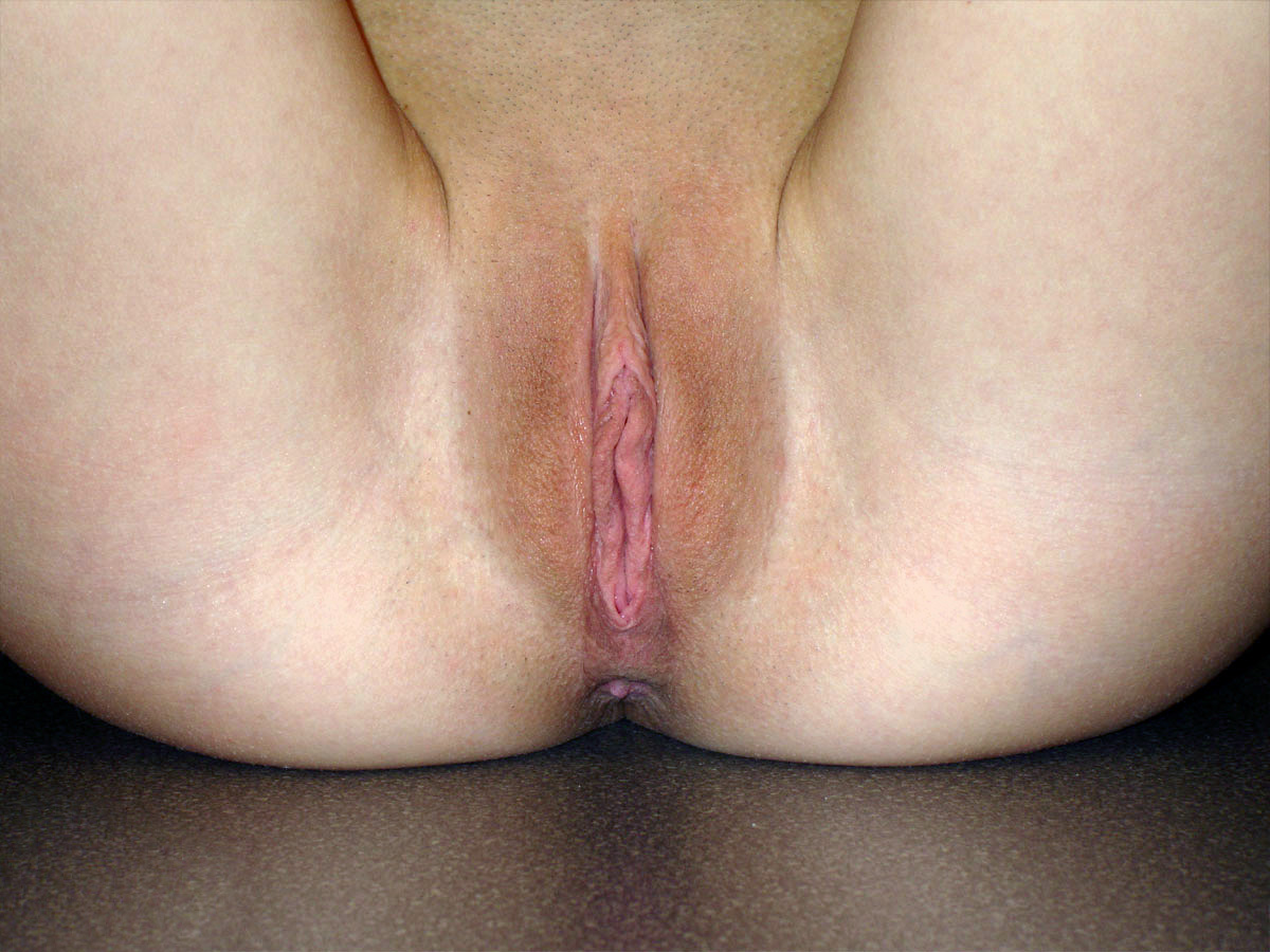 file:open and flushed vulva (shaved) - wikimedia commons
