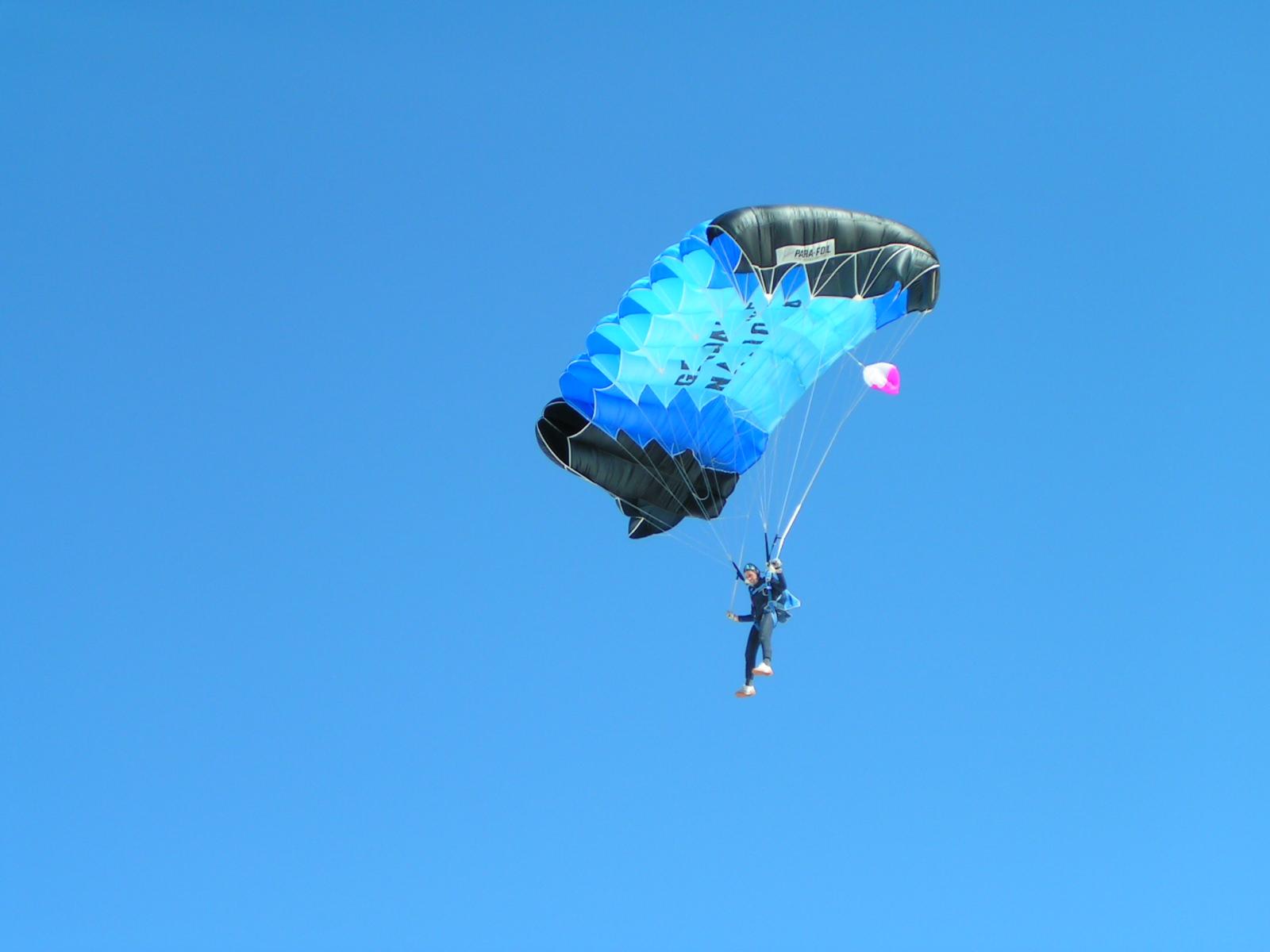 Votre avis sur un objet... Parachutiste1