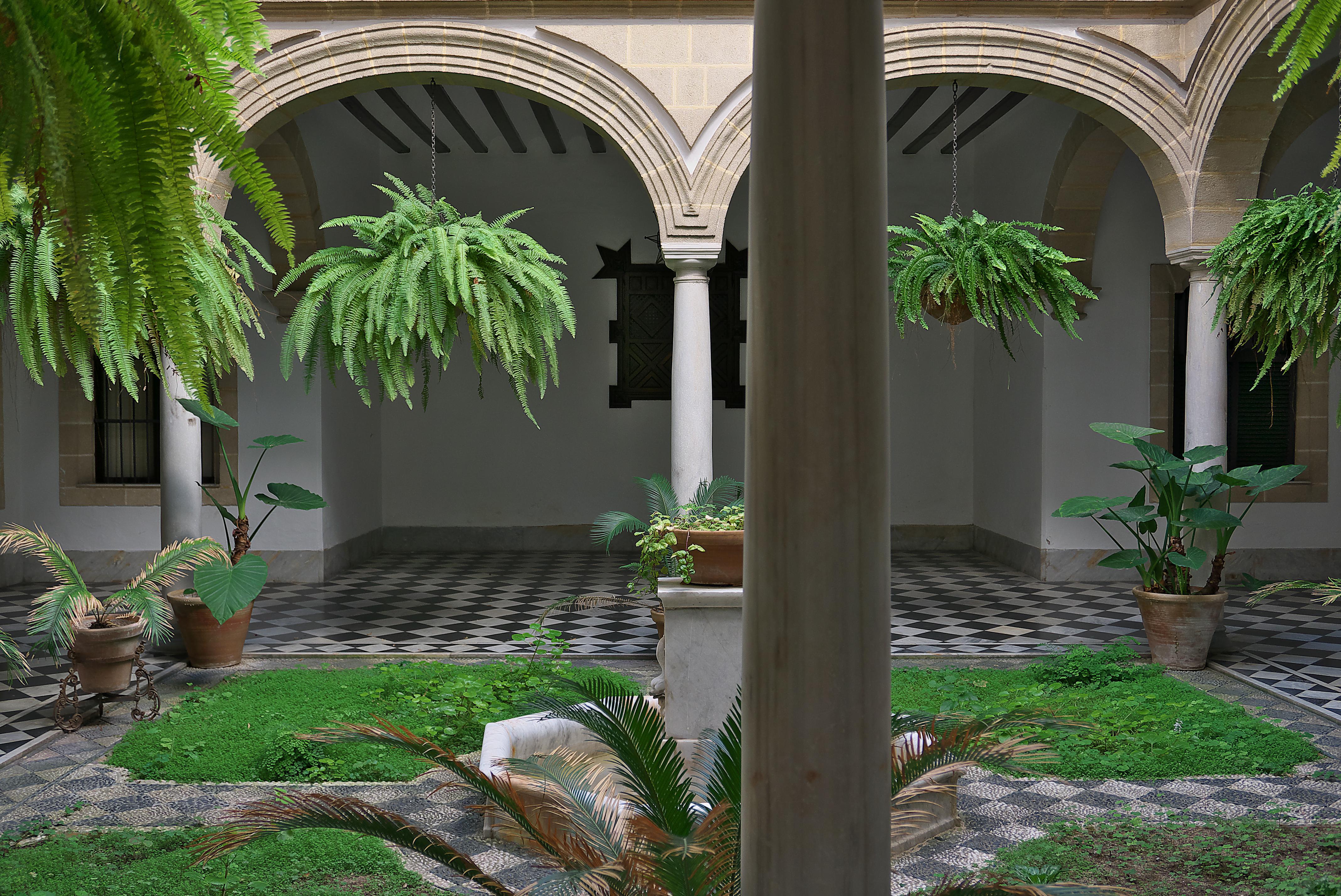File patio de la casa de oneto el puerto de santa mar a - La casa de maria ...