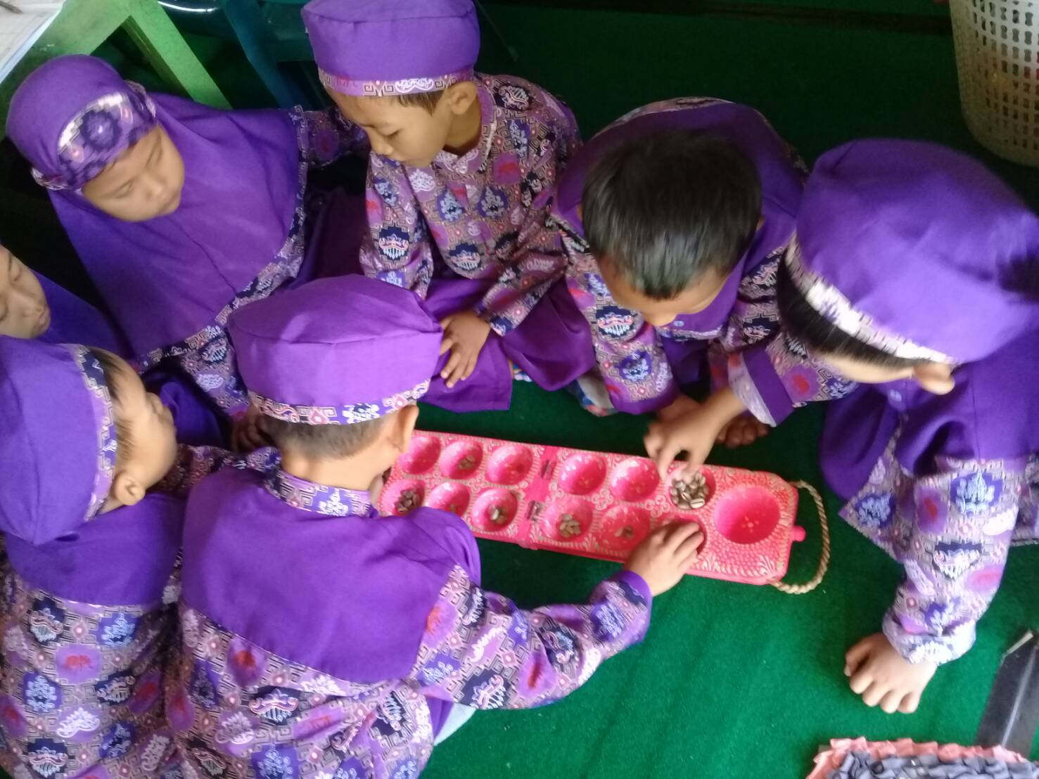 Berkas Permainan Congkak Jpg Wikipedia Bahasa Indonesia Ensiklopedia Bebas