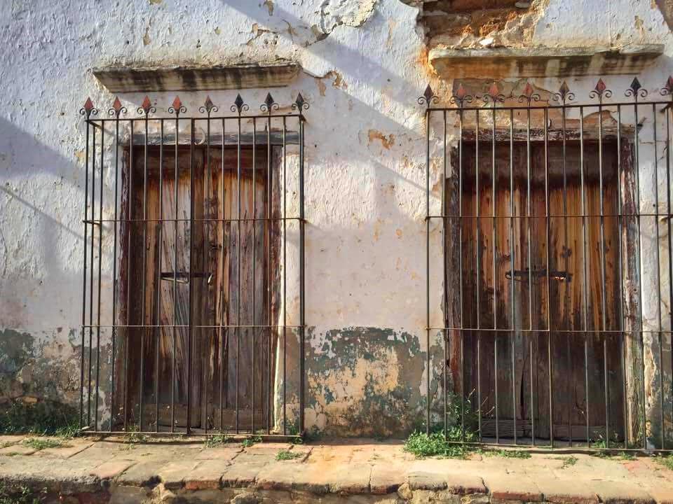 Archivo portones antiguos en la wikipedia la for Portones de madera antiguos