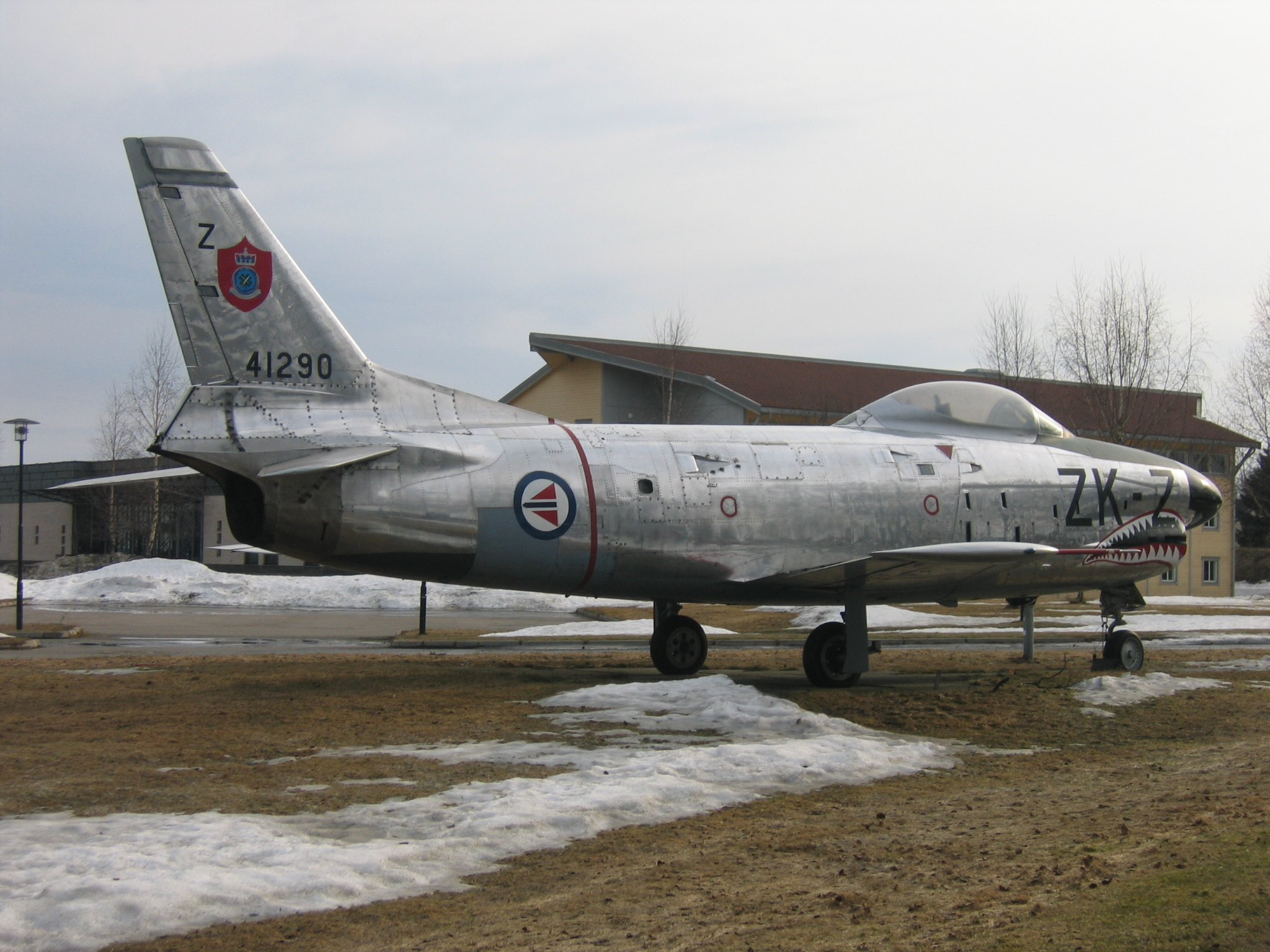 RNoAF_F-86K_Z-KZ_1.JPG