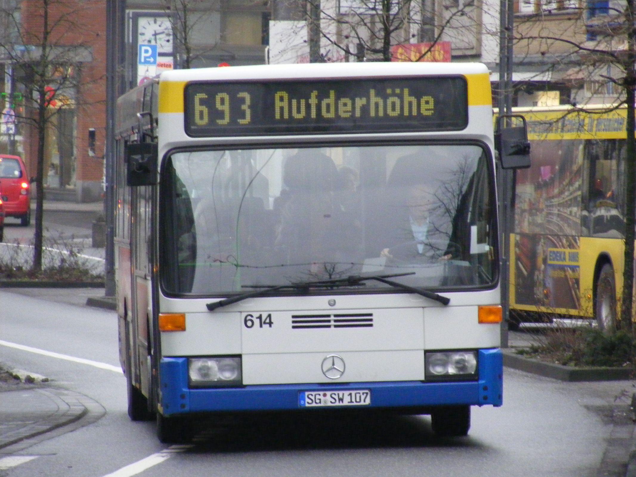 File:Solingen Mercedes bus nr 614, Linie 693. - Flickr - sludgegulper.