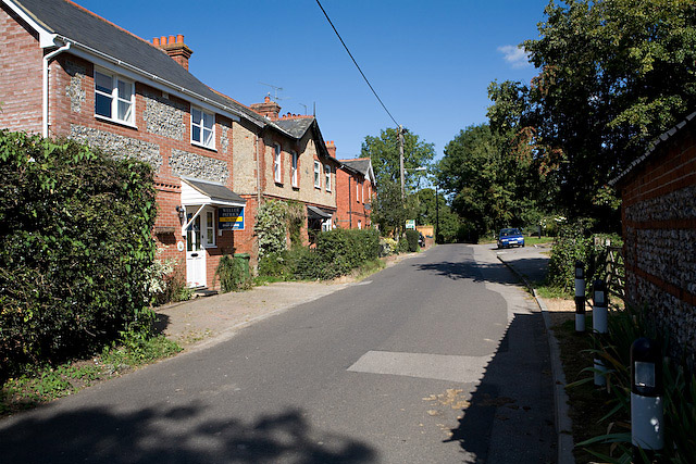 File:Southernmost part of Upham Street - geograph.org.uk - 552847.jpg