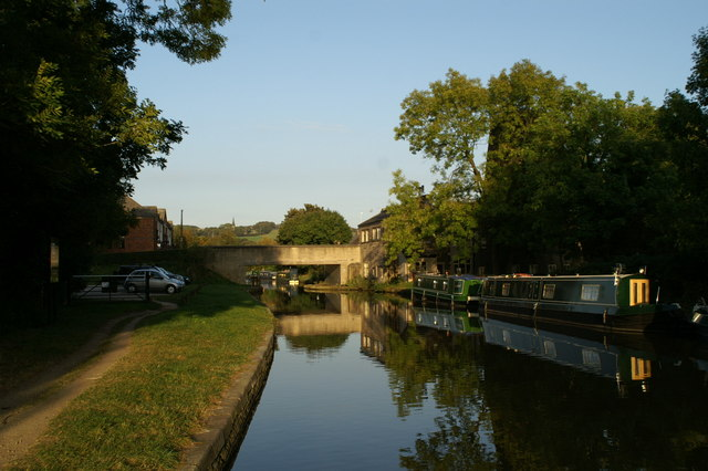 The Leeds and Liverpool Canal at Parbold - geograph.org.uk - 557556