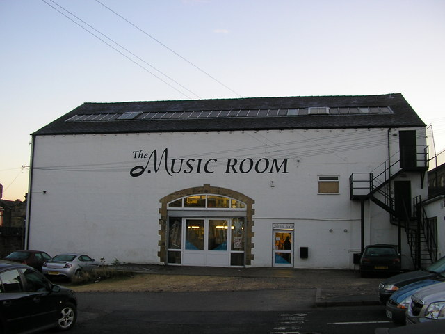 File:The Music Room, St John\'s Place, Cleckheaton - geograph.org.uk ...