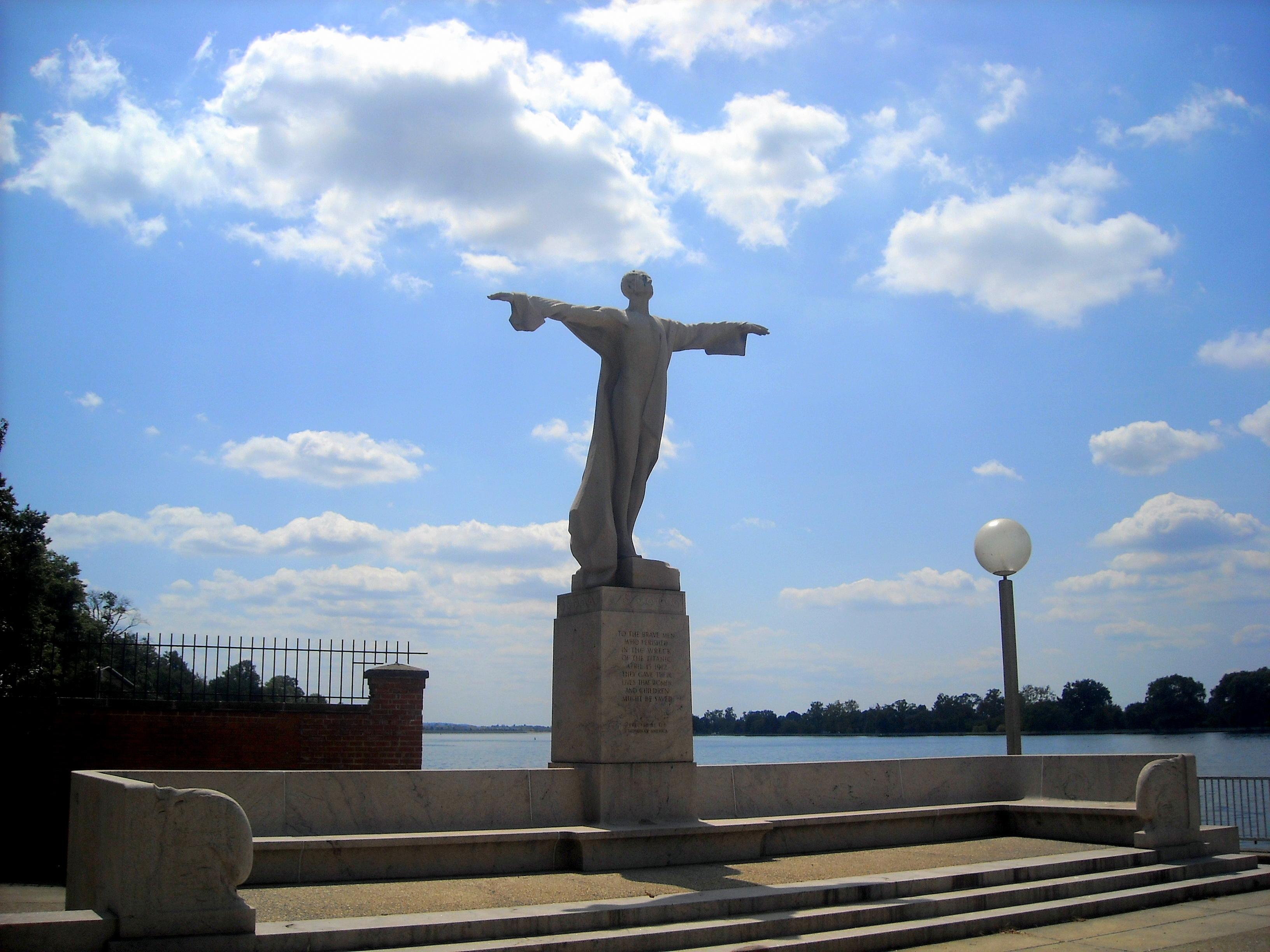 Monumento al Titanic, Women´s Titanic Memorial