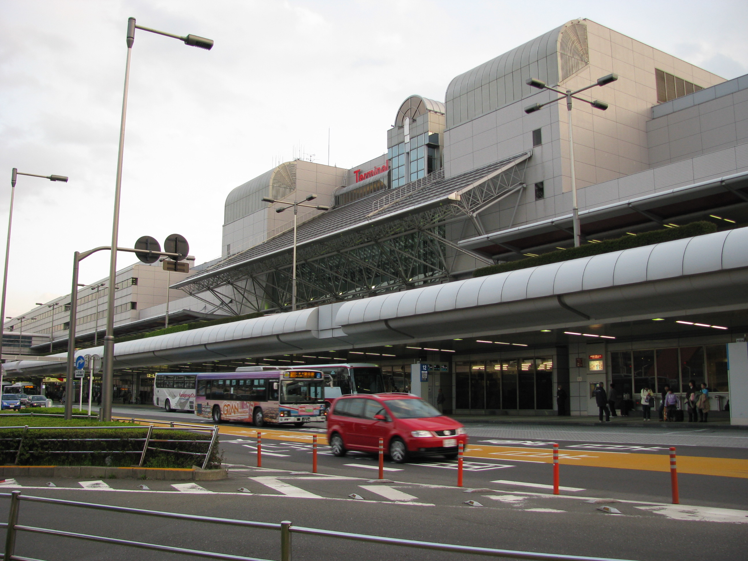 how to get from haneda airport to tokyo