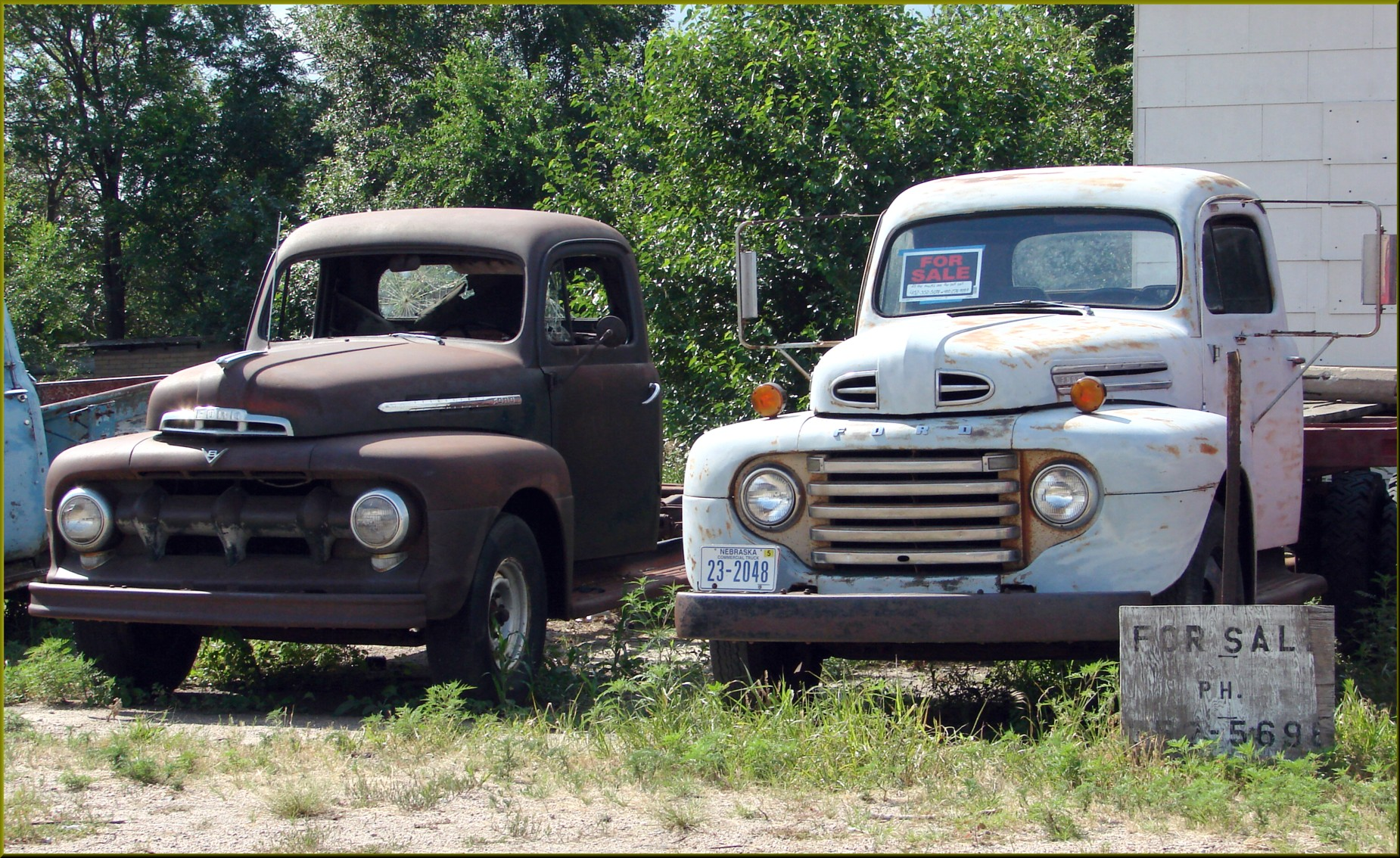File:Truck Sale, Old Metal, NB 7-25-13b (10784103234).jpg ...