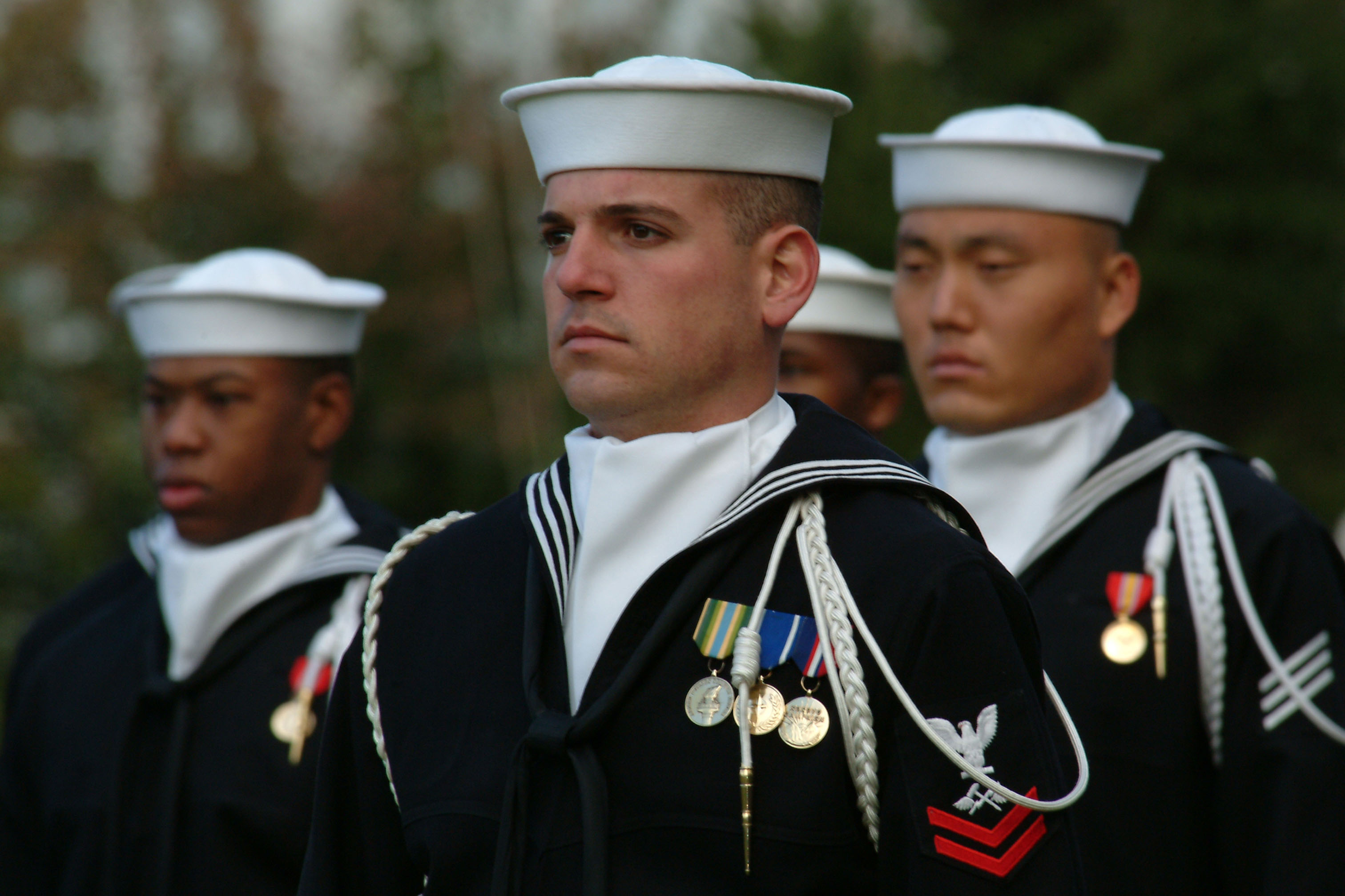 File:US Navy 031023-N-2383B-009 Sailors assigned to the U ...