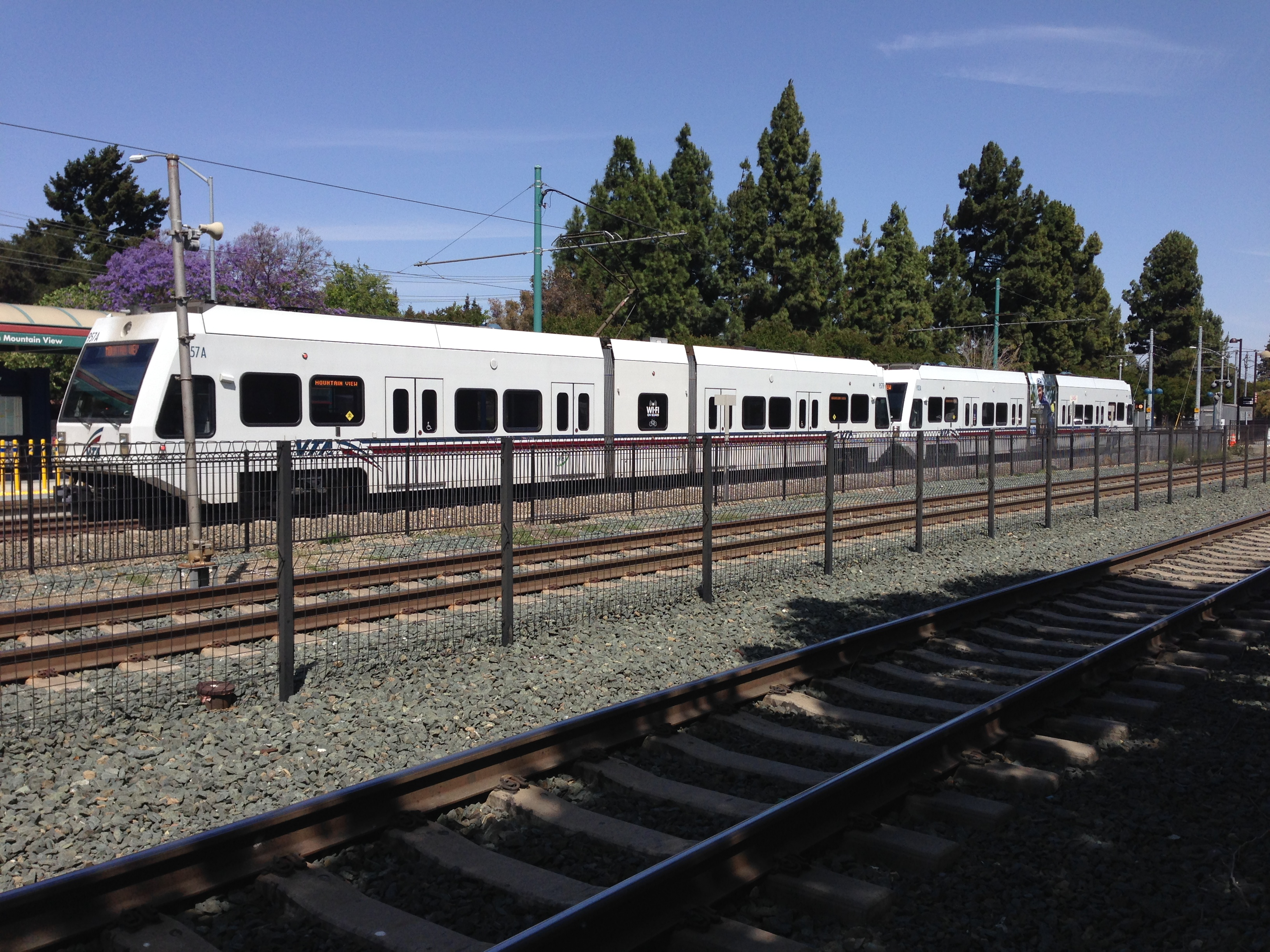 Good File:VTA Light Rail At Downtown Mountain View Station