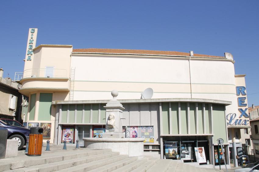 File:Valréas Cinéma Rex Lux.jpg - Wikimedia Commons