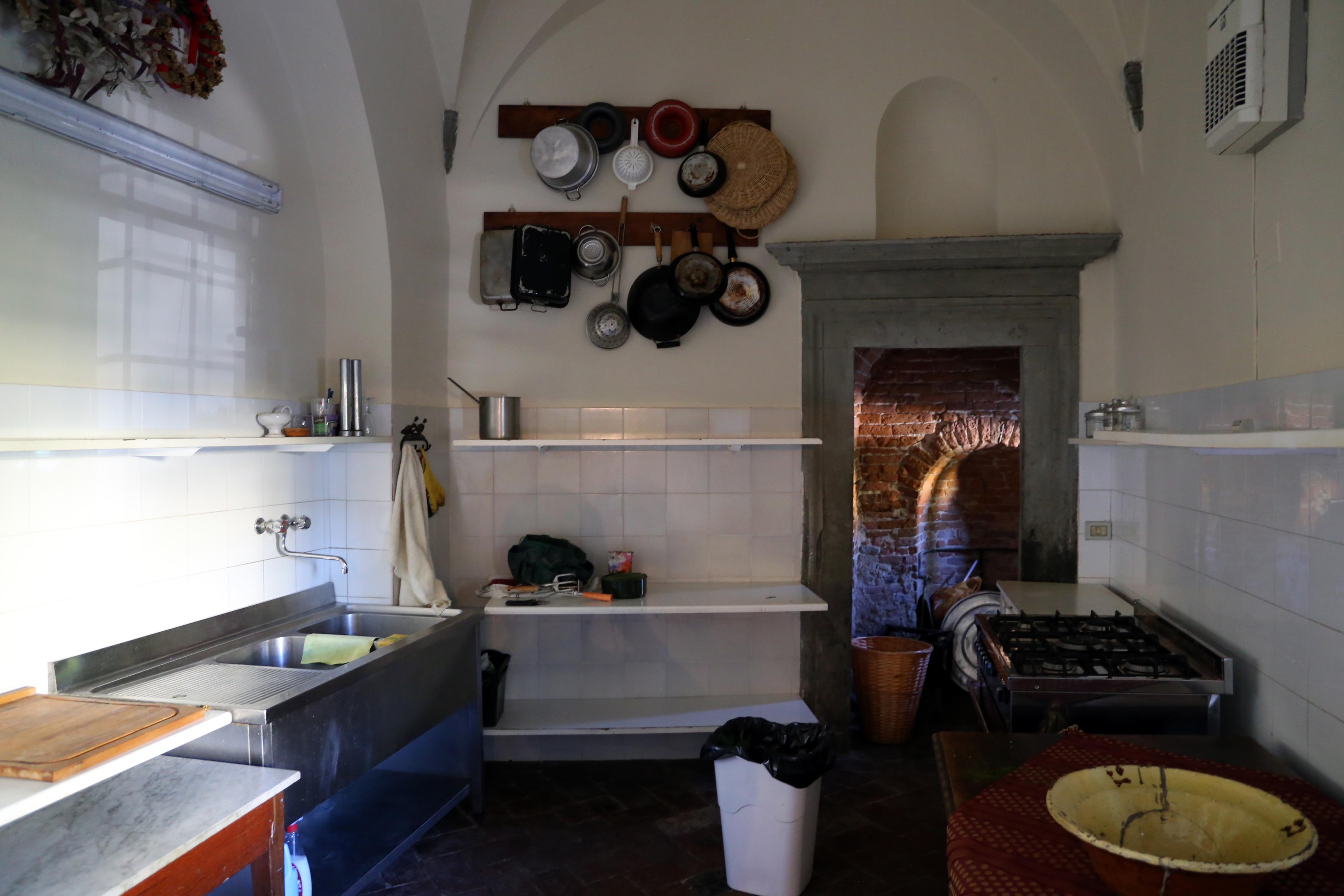 File:Villa rita di noce, antiche cucine 01.jpg - Wikimedia Commons