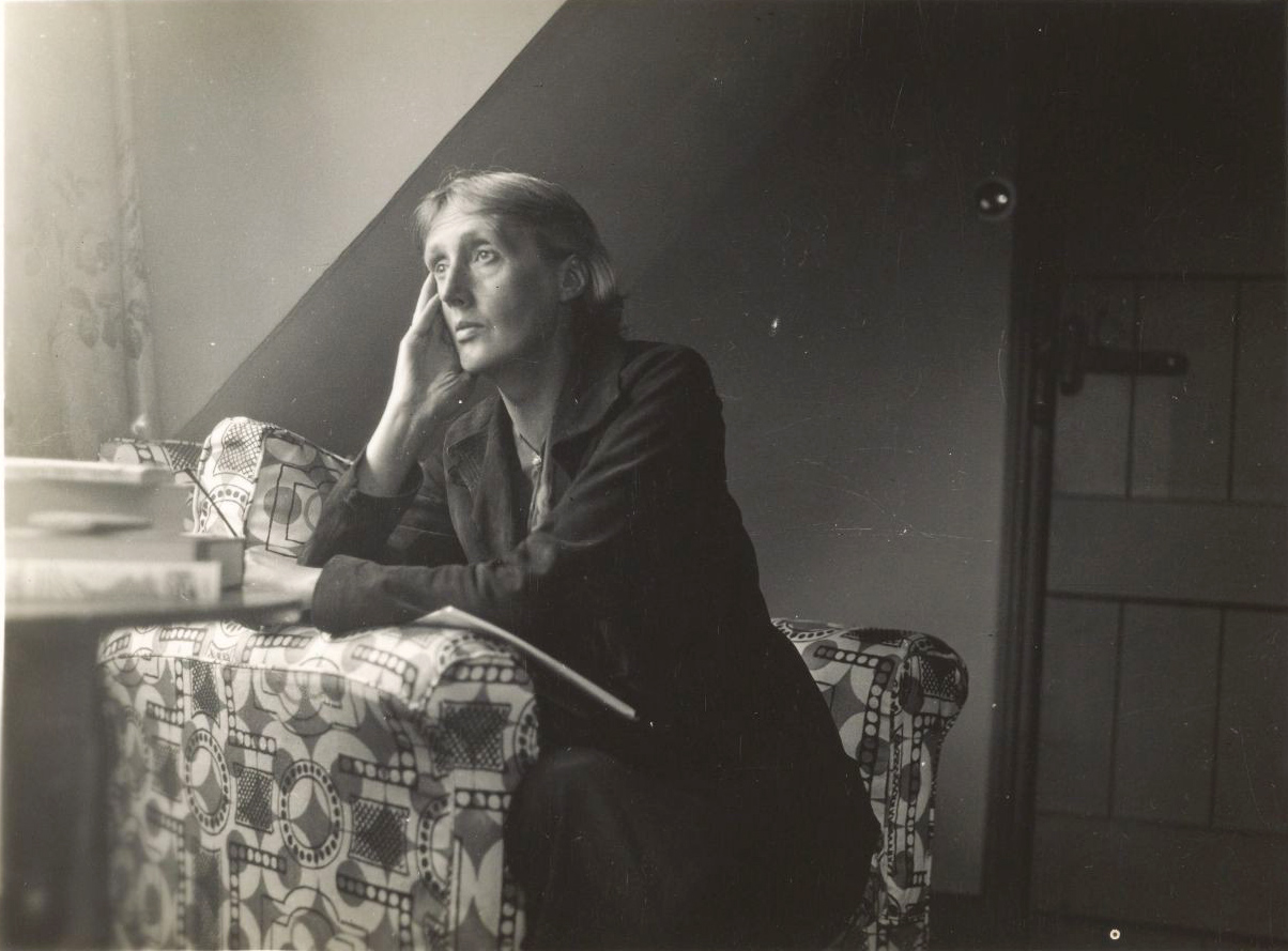 File:Virginia Woolf at Monk's house.jpg - Wikimedia Commons