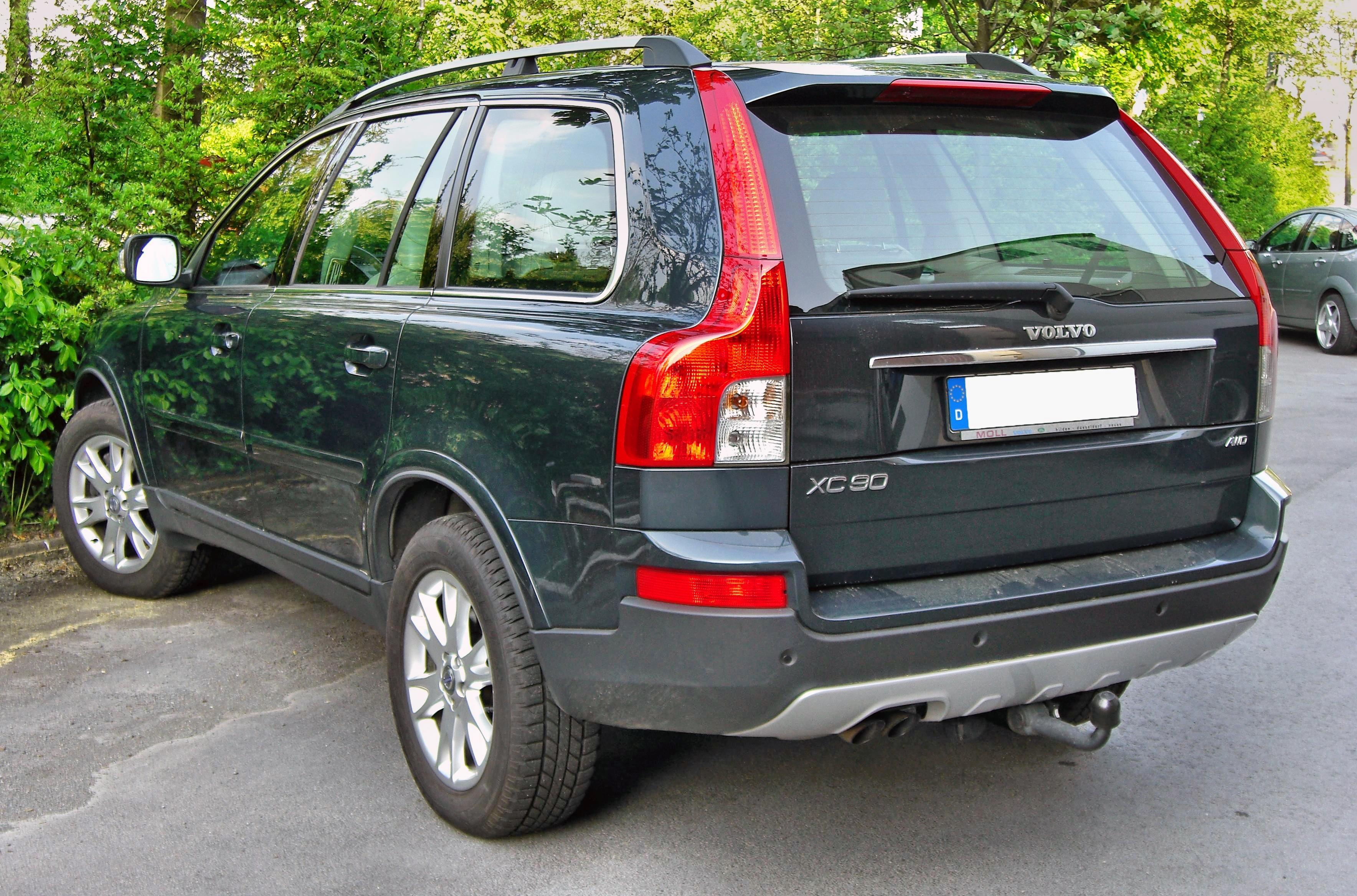 [Imagen: Volvo_XC90_Facelift_20090426_rear.JPG]