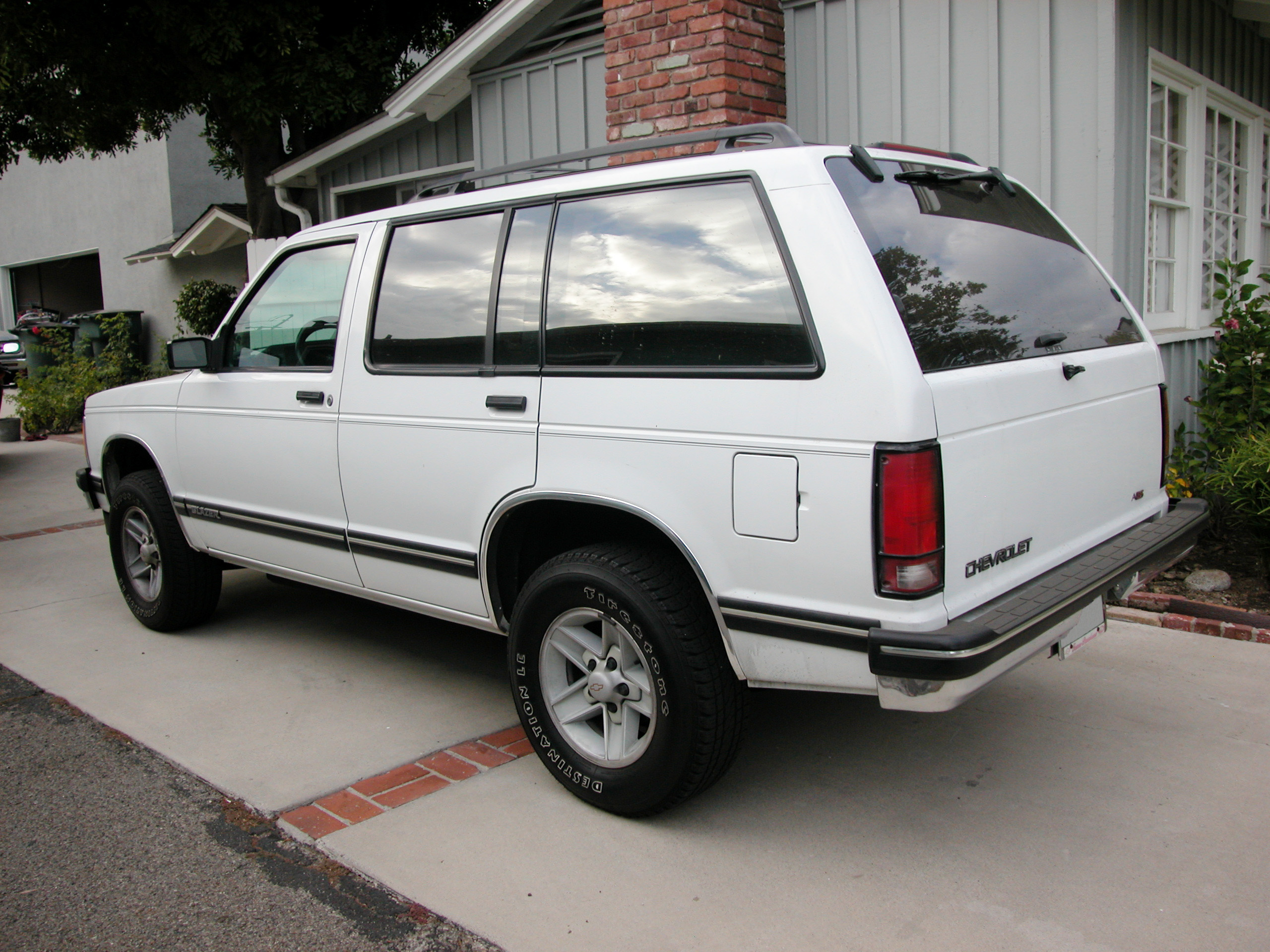 Description 1994ChevroletBlazer-rear.jpg