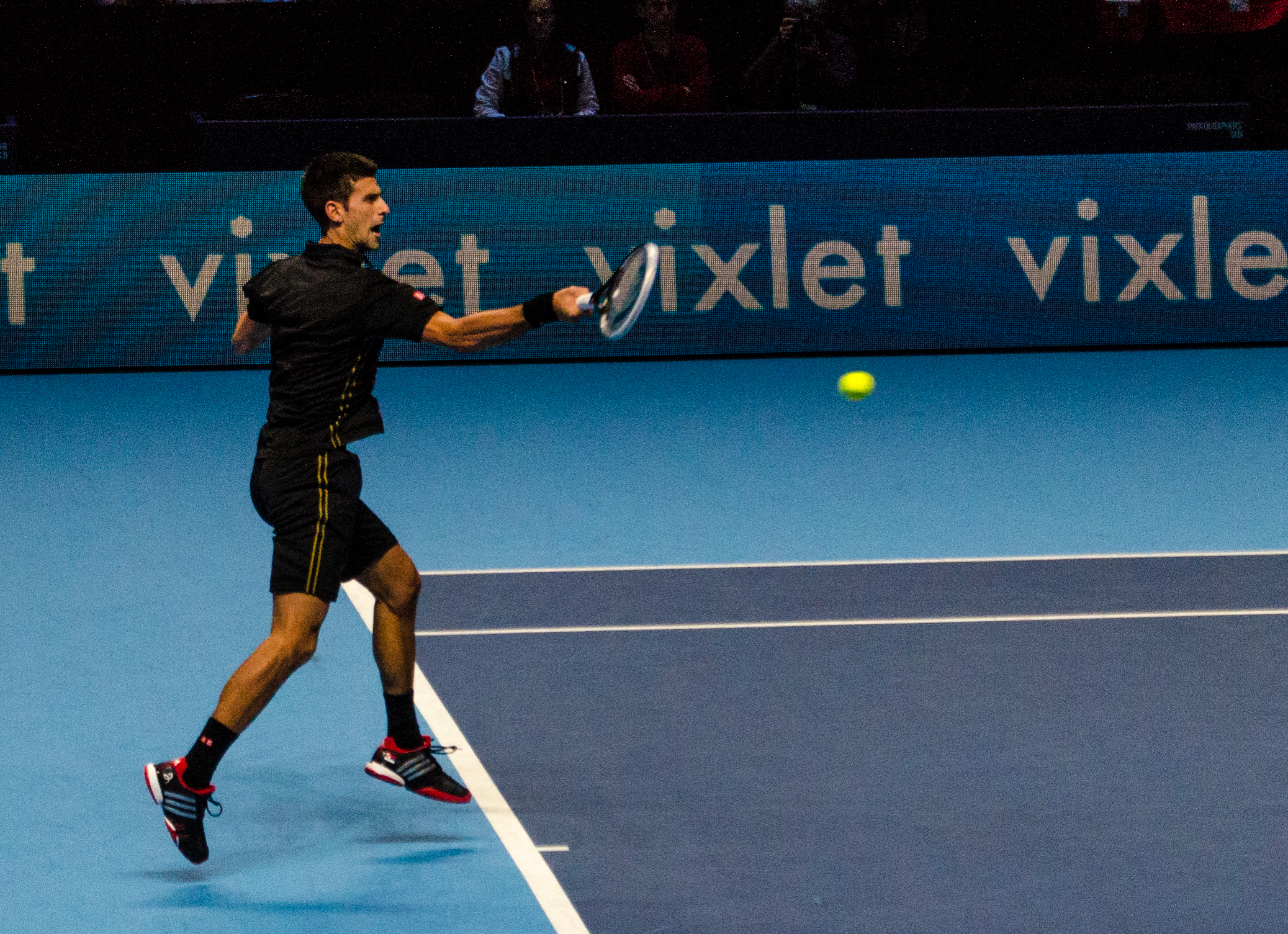 File 2014 11 12 2014 Atp World Tour Finals Novak Djokovic Forehand By Michael Frey Jpg Wikimedia Commons
