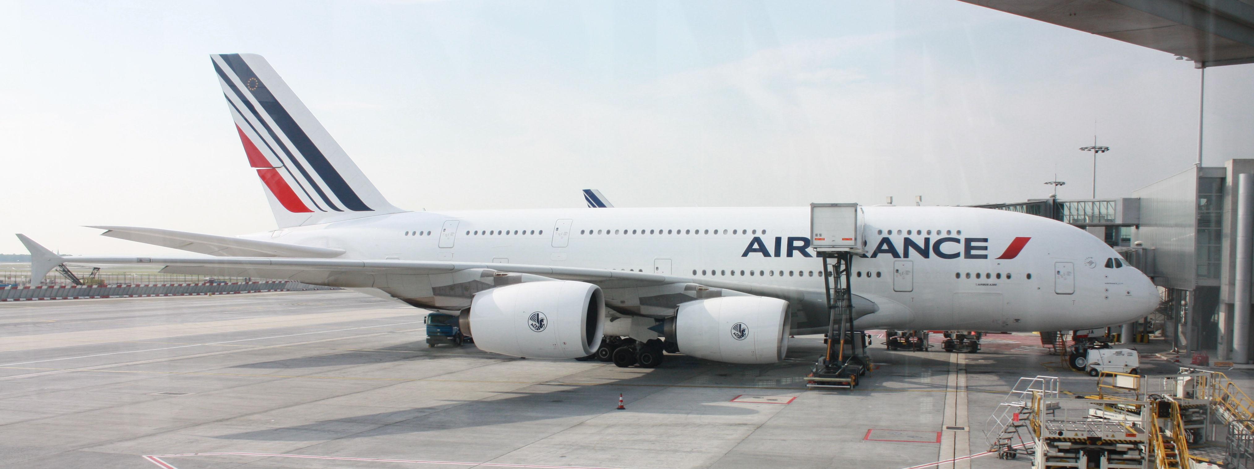 File:A380 Air France F-HPJA - CDG.jpg - Wikimedia Commons