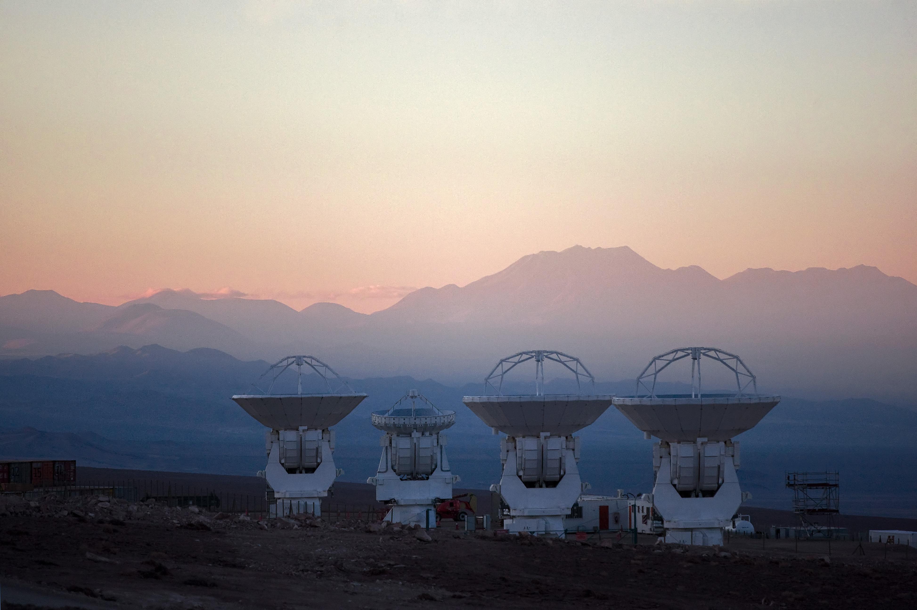 Description ALMA 4 Antennas.jpg