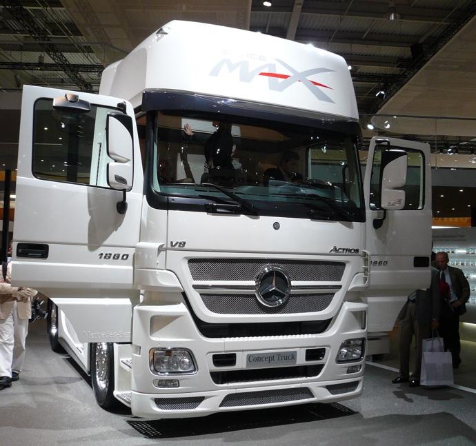 Tamiya Mercedes Benz Actros  Cnversion Kit