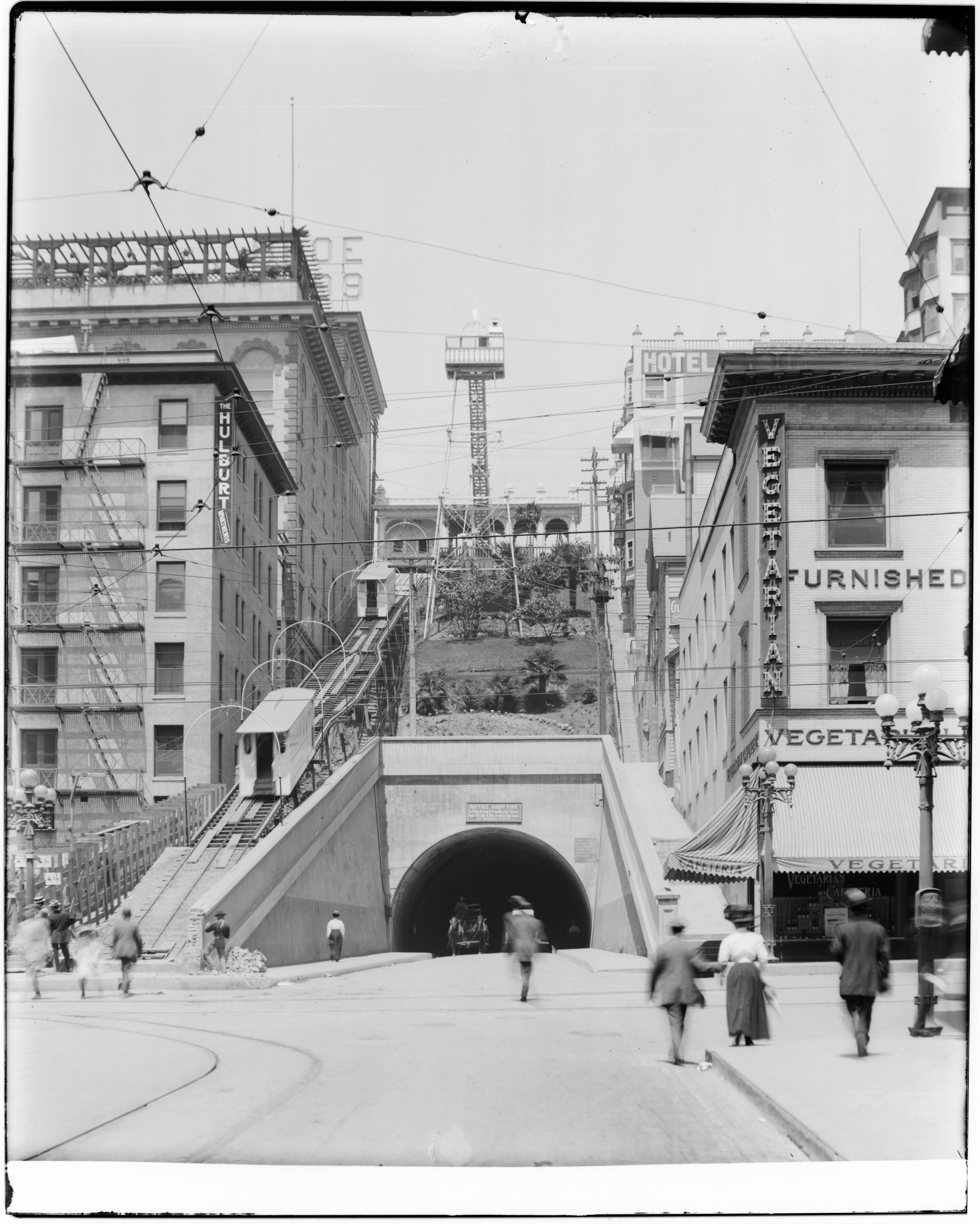 File:Angels Flight at the Hill Street tunnel, ca.1907 (CHS-