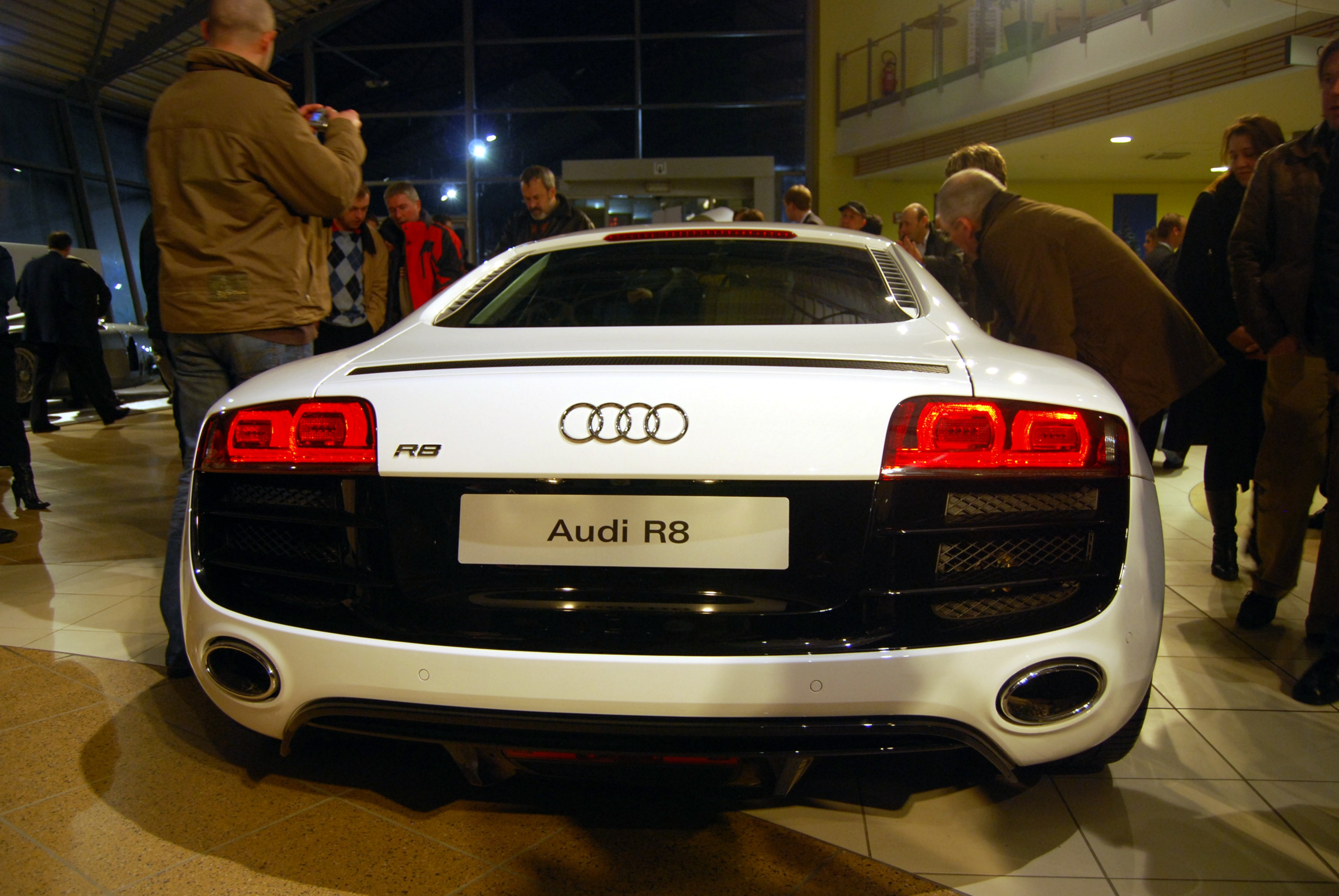 File Audi R8 V10 Backside Jpg Wikimedia Commons