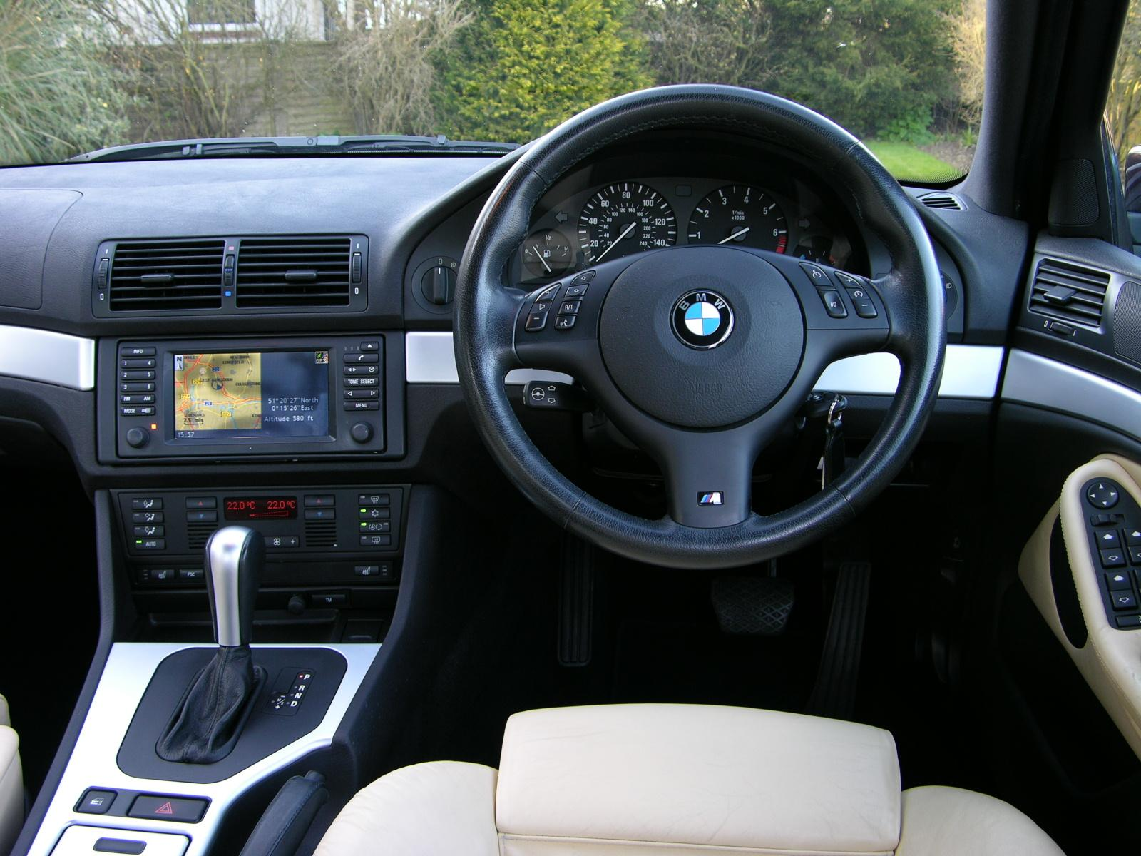 File:BMW 530i Sport Individual - Flickr - The Car Spy (4).jpg ...