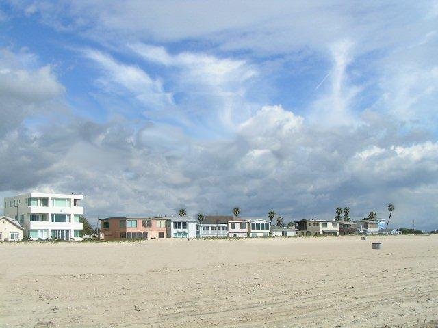 File:Beachhouses.jpg