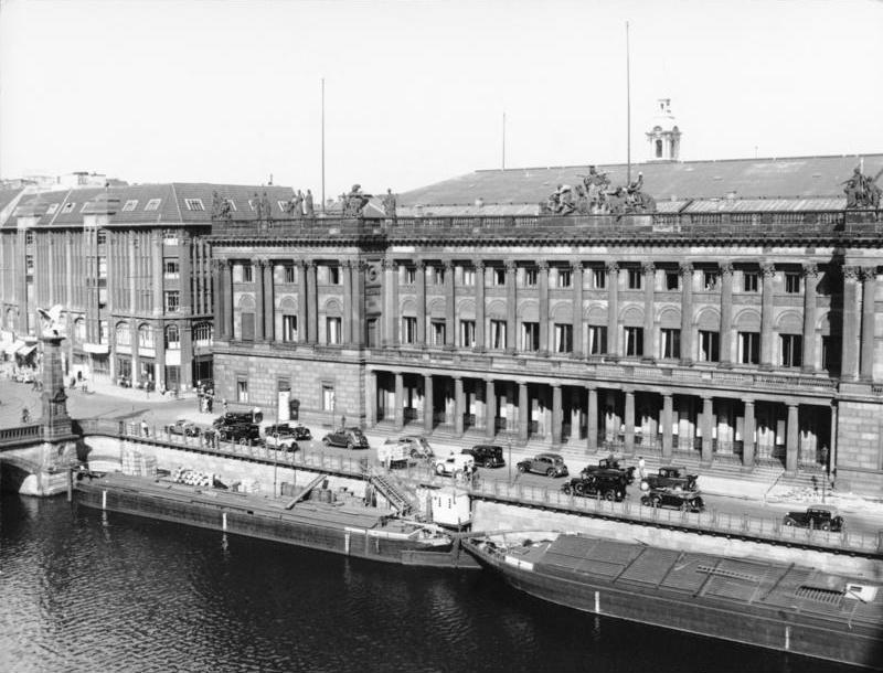 Datei Bundesarchiv B 145 Bild P016627 Berlin Blick Vom Schloss