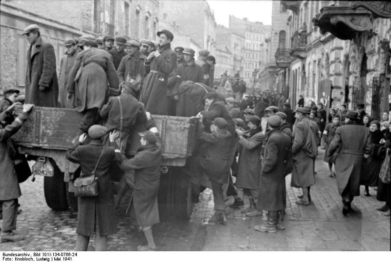 http://upload.wikimedia.org/wikipedia/commons/e/e2/Bundesarchiv_Bild_101I-134-0766-24%2C_Polen%2C_Ghetto_Warschau%2C_Juden_auf_LKW.jpg