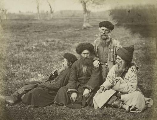 File:Caucasusian Jews with chokha.jpg
